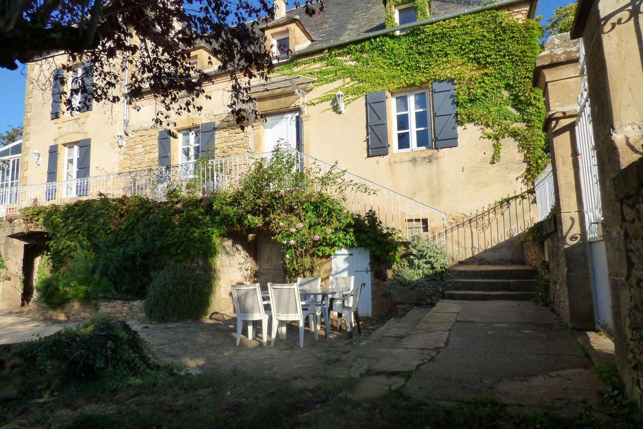 La terrasse du gîte du Cuvier de Saint Martin dans le Lot