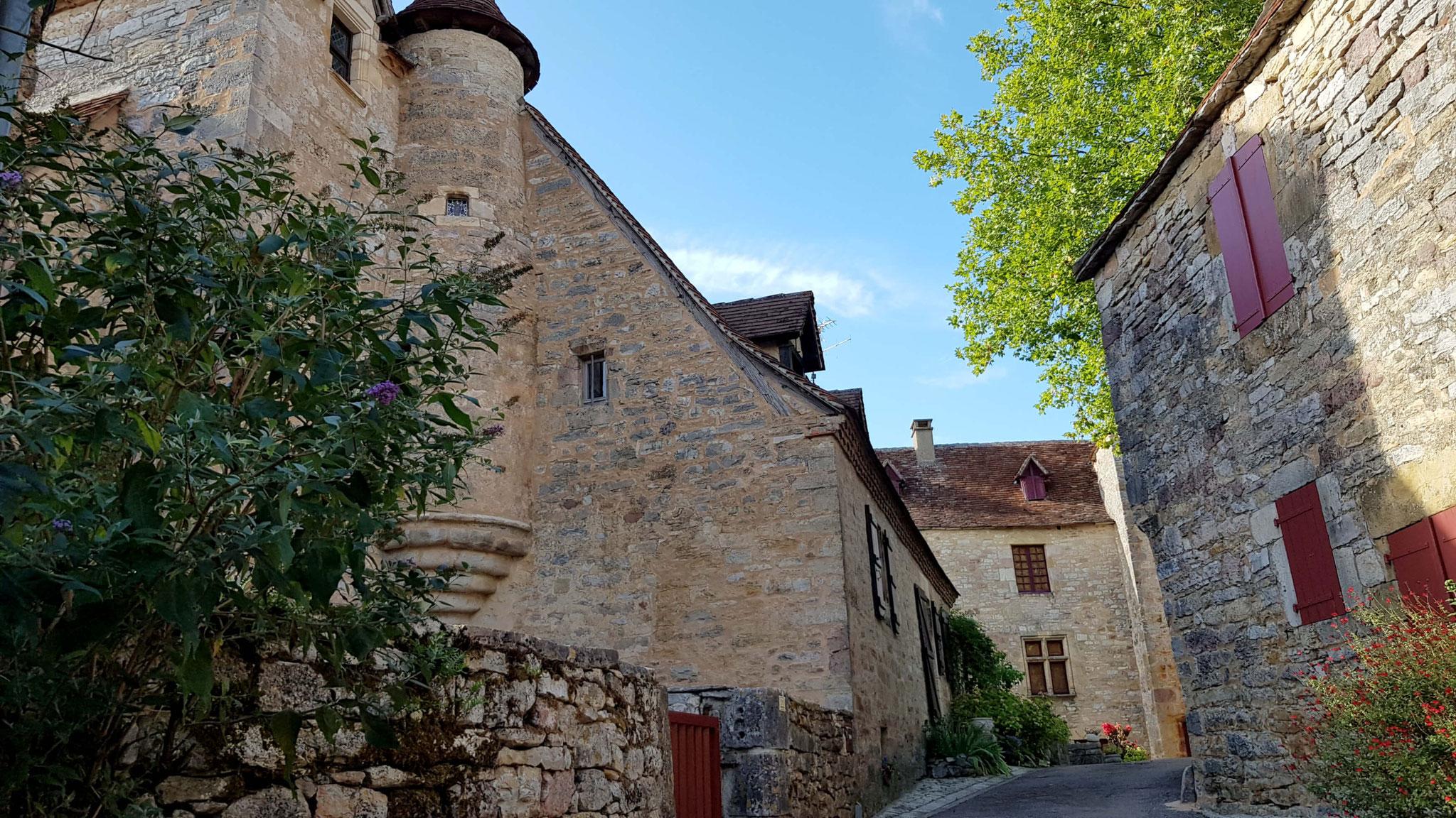 Maison à tour dans Loubressac