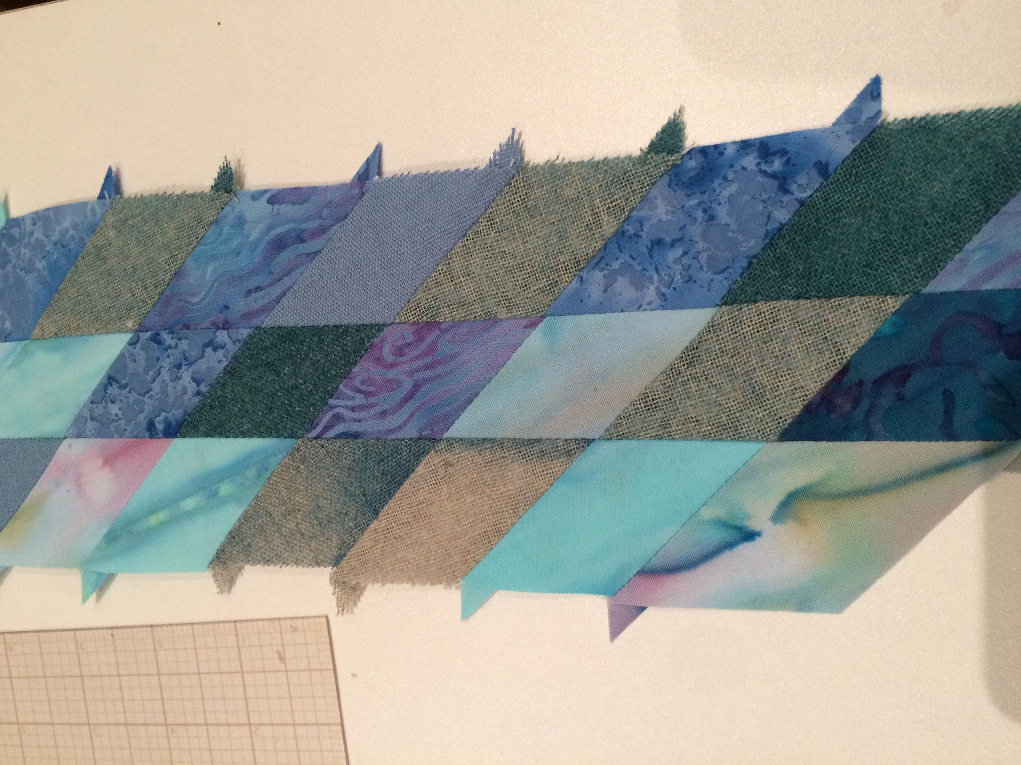 De nombreux losanges sont dans le tissu imposé, utilisé recto-verso.