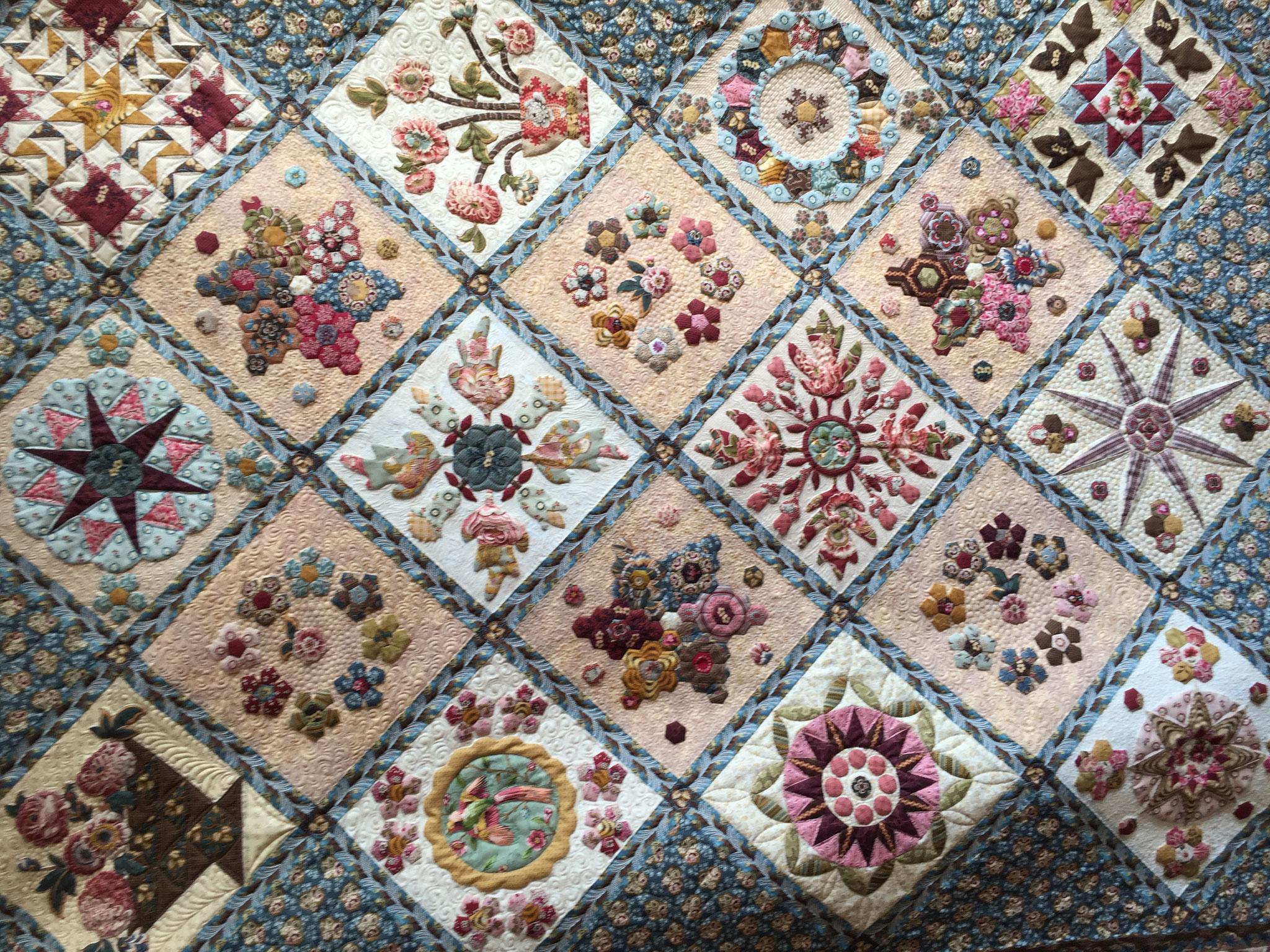 Le quilt est vraiment de toute beauté.