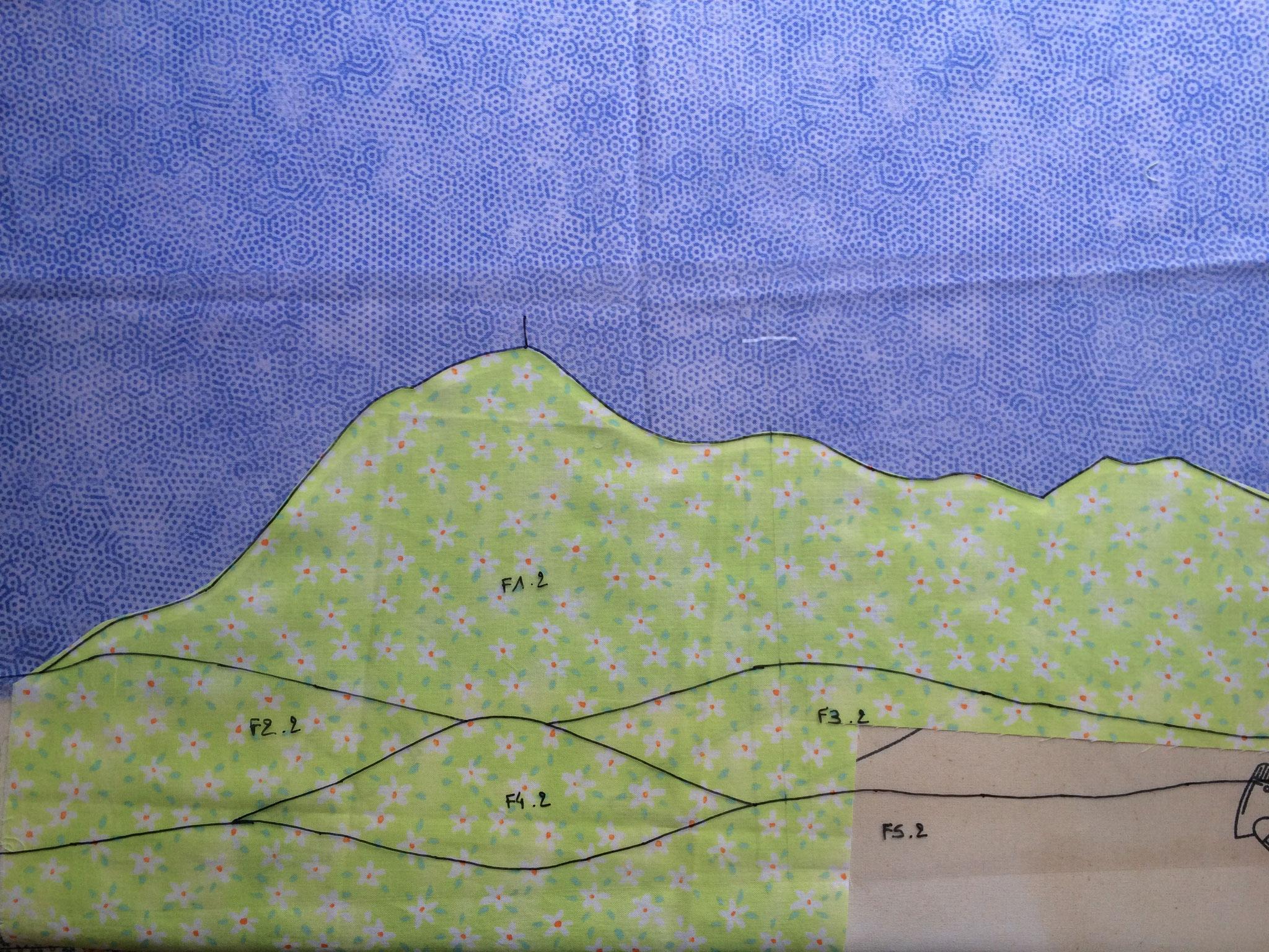 Découpage des formes après utilisation de thermocollant.