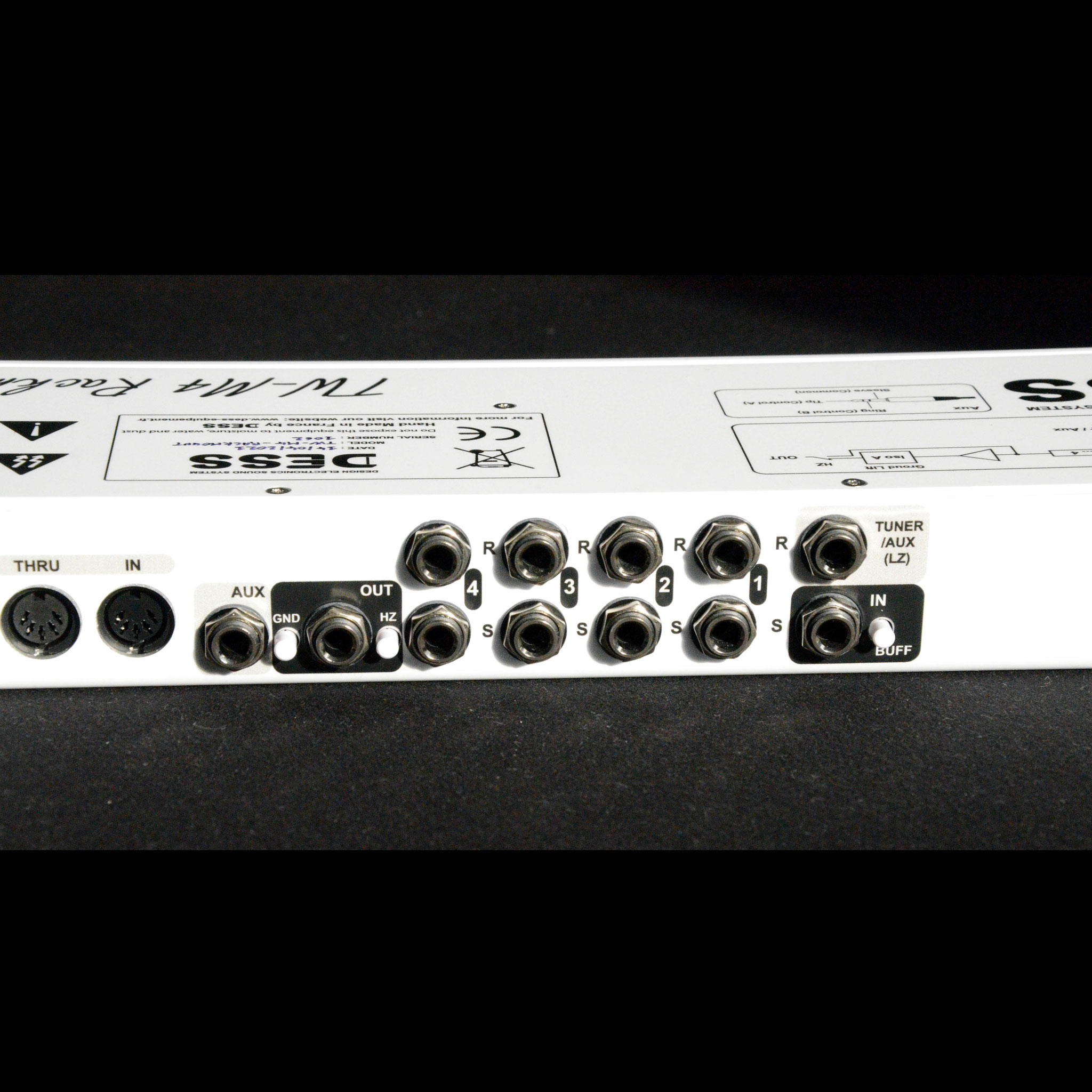 TW-M4 Rackmount, Switcher d'effet 4 Canaux, guitare, basse, Midi, Switching System, DESS