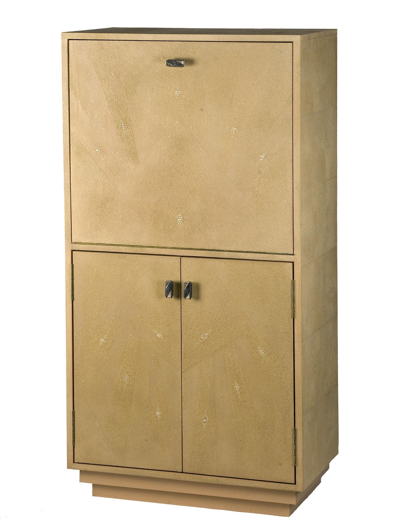 Commode gainée d'empreinte de peaux de galuchat - Création sur mesure - 130 x 60 x 40 cm