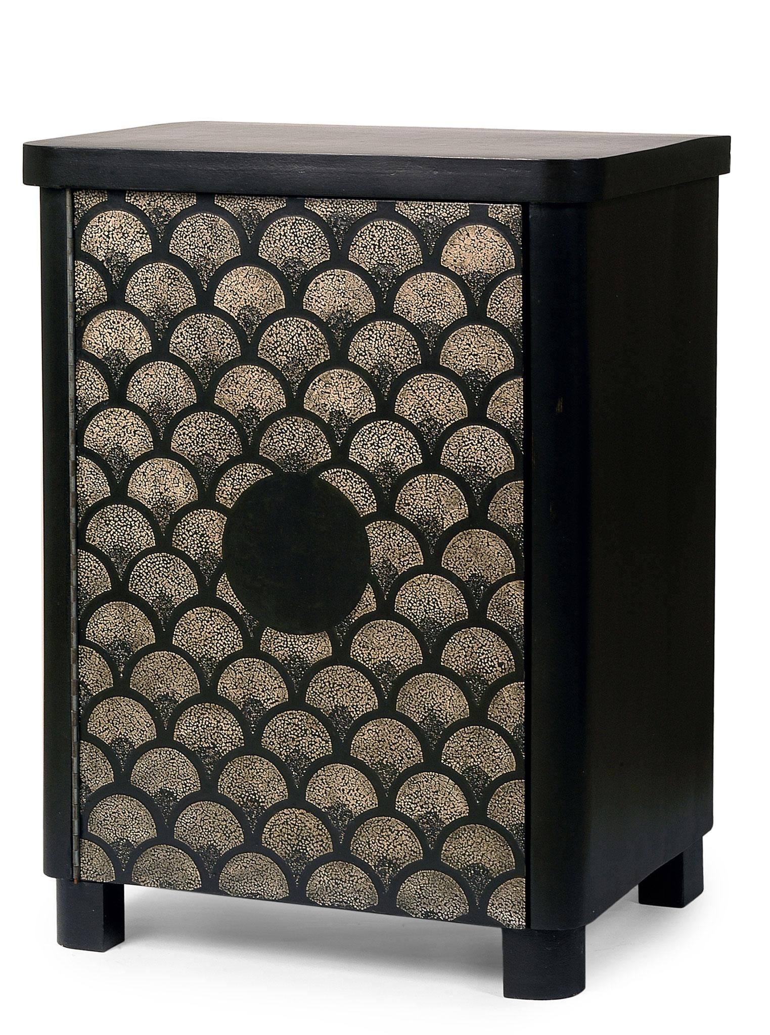 Commode laquée avec incrustation de coquilles d'œufs - Ancien meuble des années 30 -  79 x 58 x 45 cm