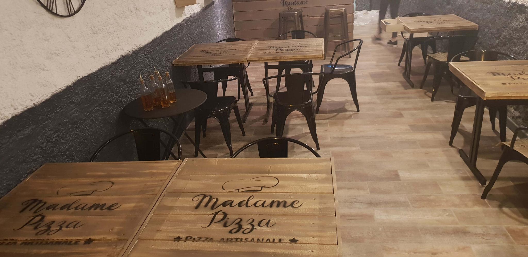 pochoir-personnalise-logo-pour-restaurant.jpg
