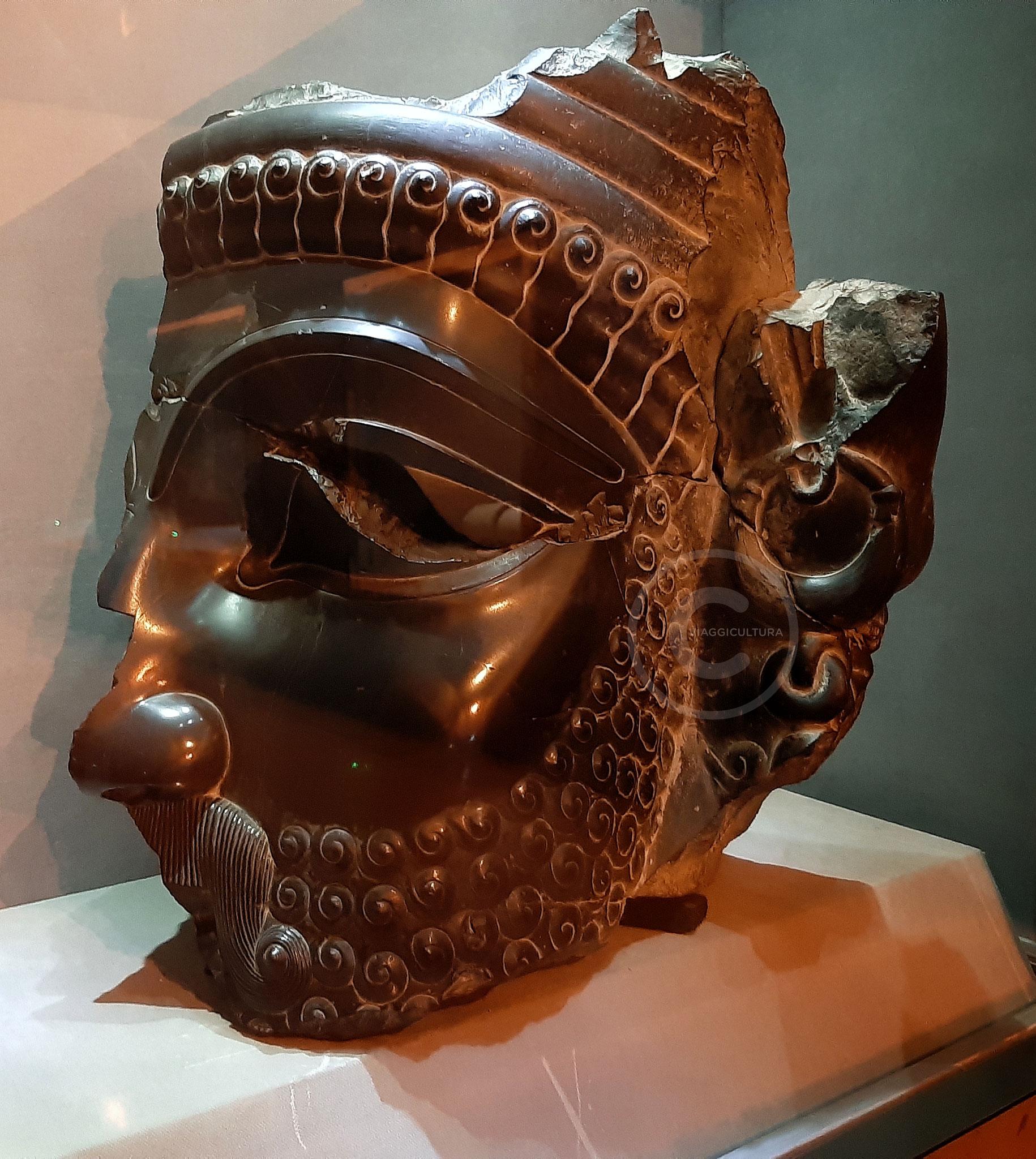 Statua di Serse - Museo di Persepoli (Iran)
