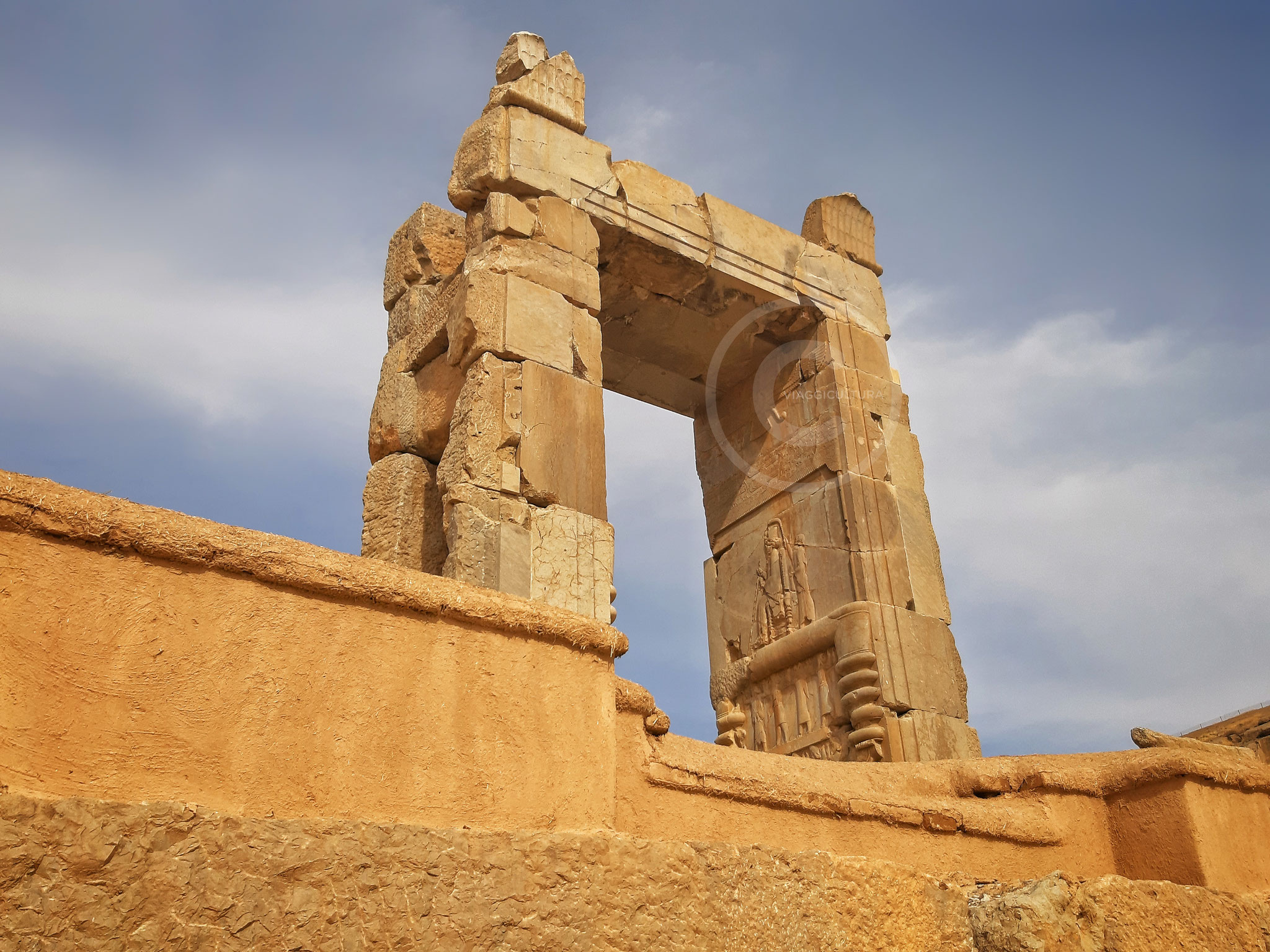 Una delle porte del Palazzo delle Cento Colonne - Persepoli (Iran)