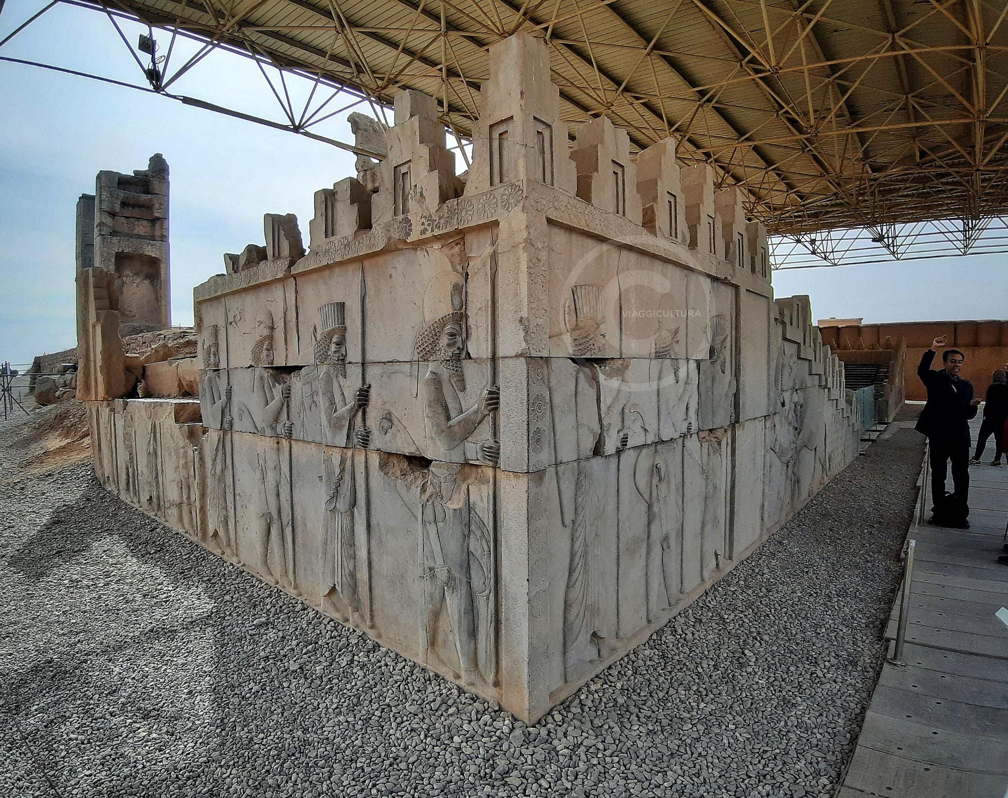 Scalinata d'accesso al Palazzo Triporte, o Tripylon - Persepoli (Iran)