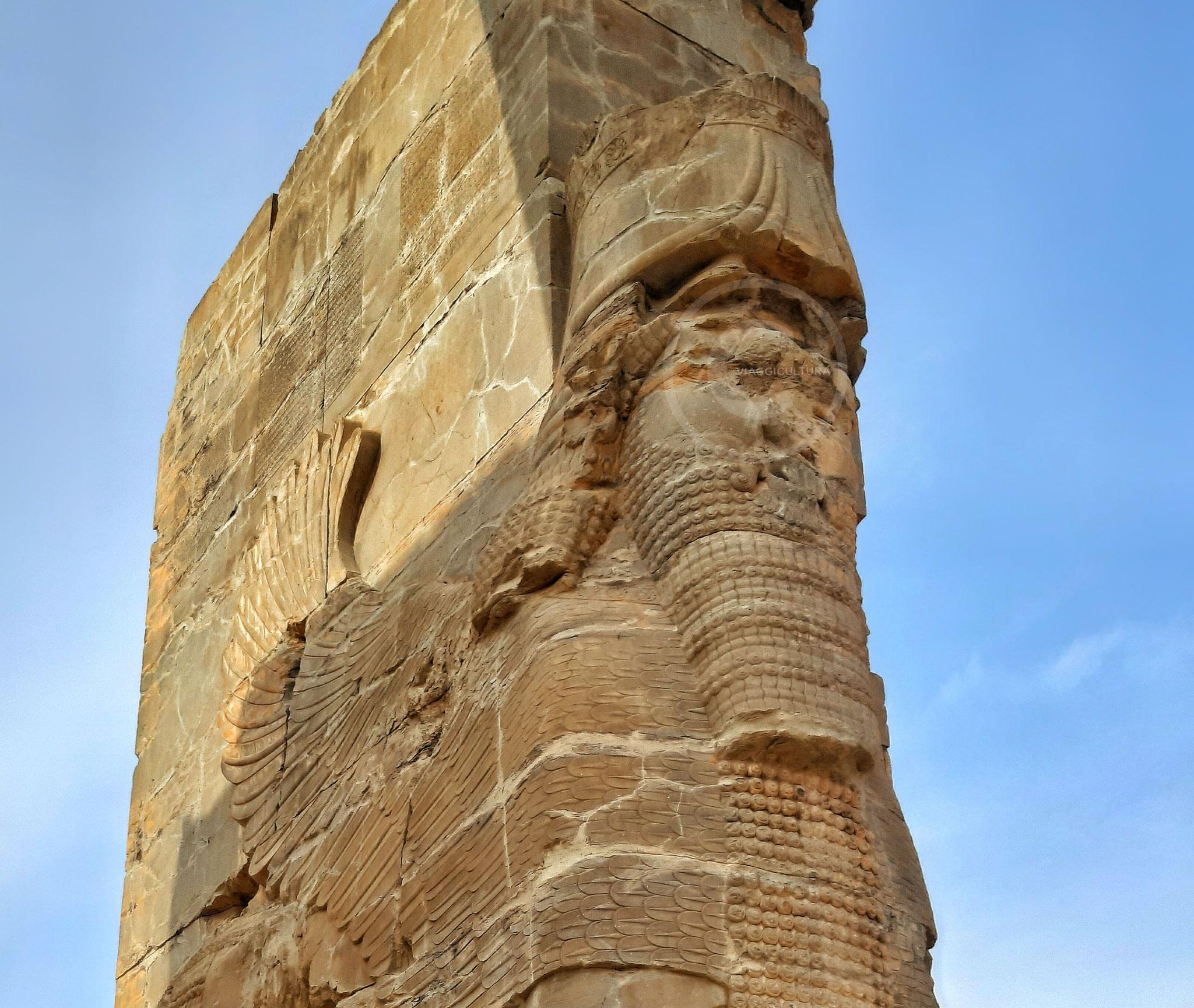 Primo toro alato androcefalo, Porta di Tutte le Nazioni - facciata est, Persepoli (Iran)