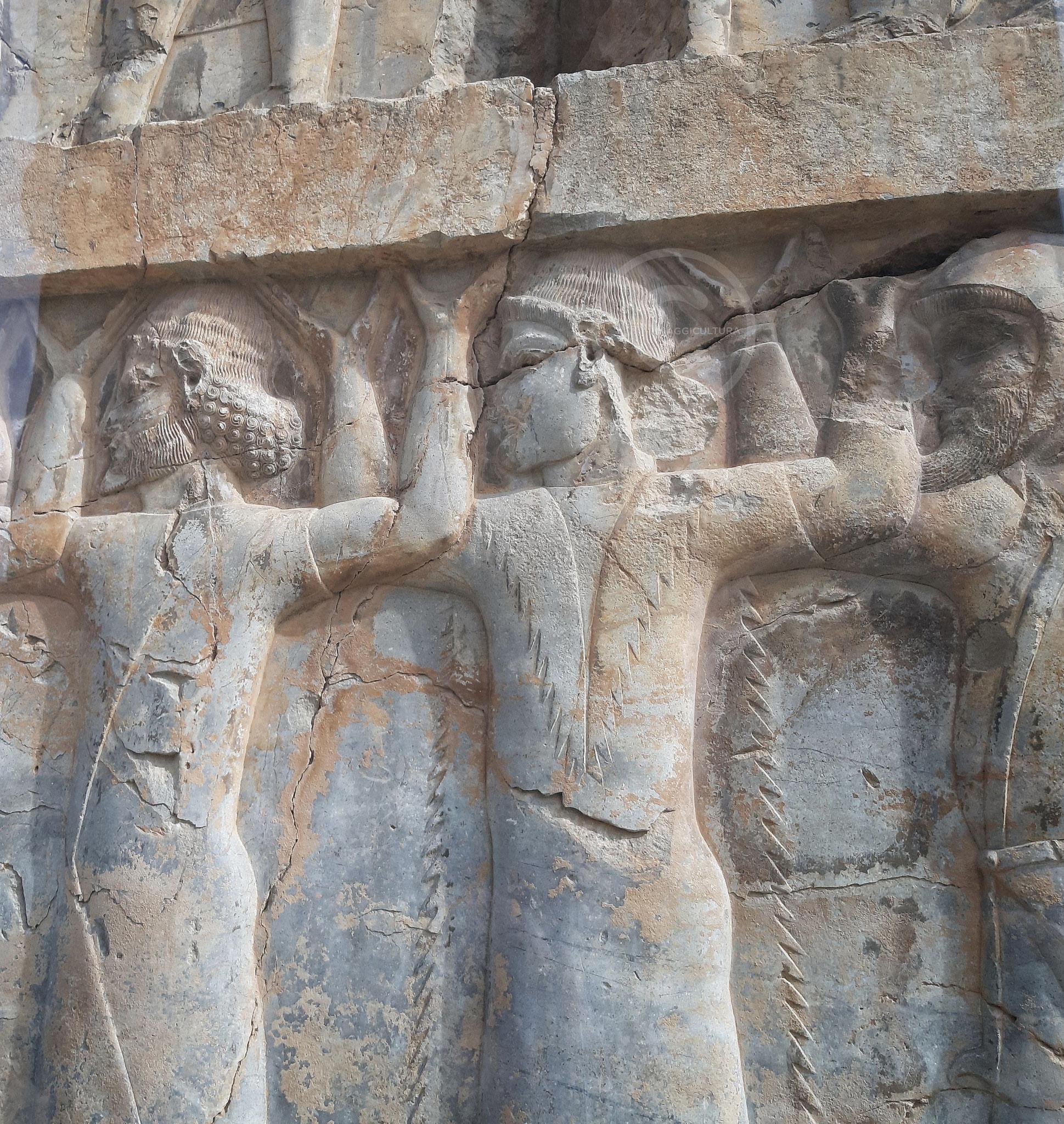 Dettaglio dei rappresentanti dei popoli sottomessi da Artaserse I, vano della porta nord del Palazzo delle Cento Colonne - Persepoli (Iran)
