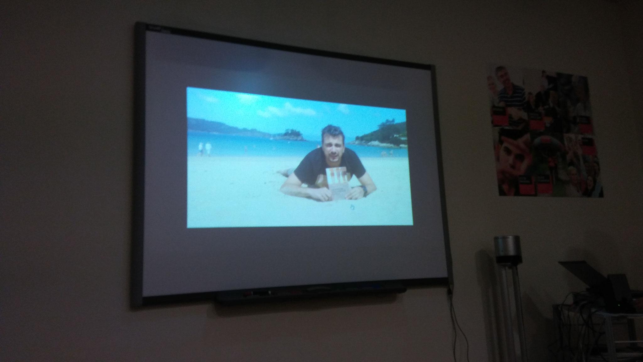 """Pedro Ramos i el seu llibre """"La playa de los cristales"""""""