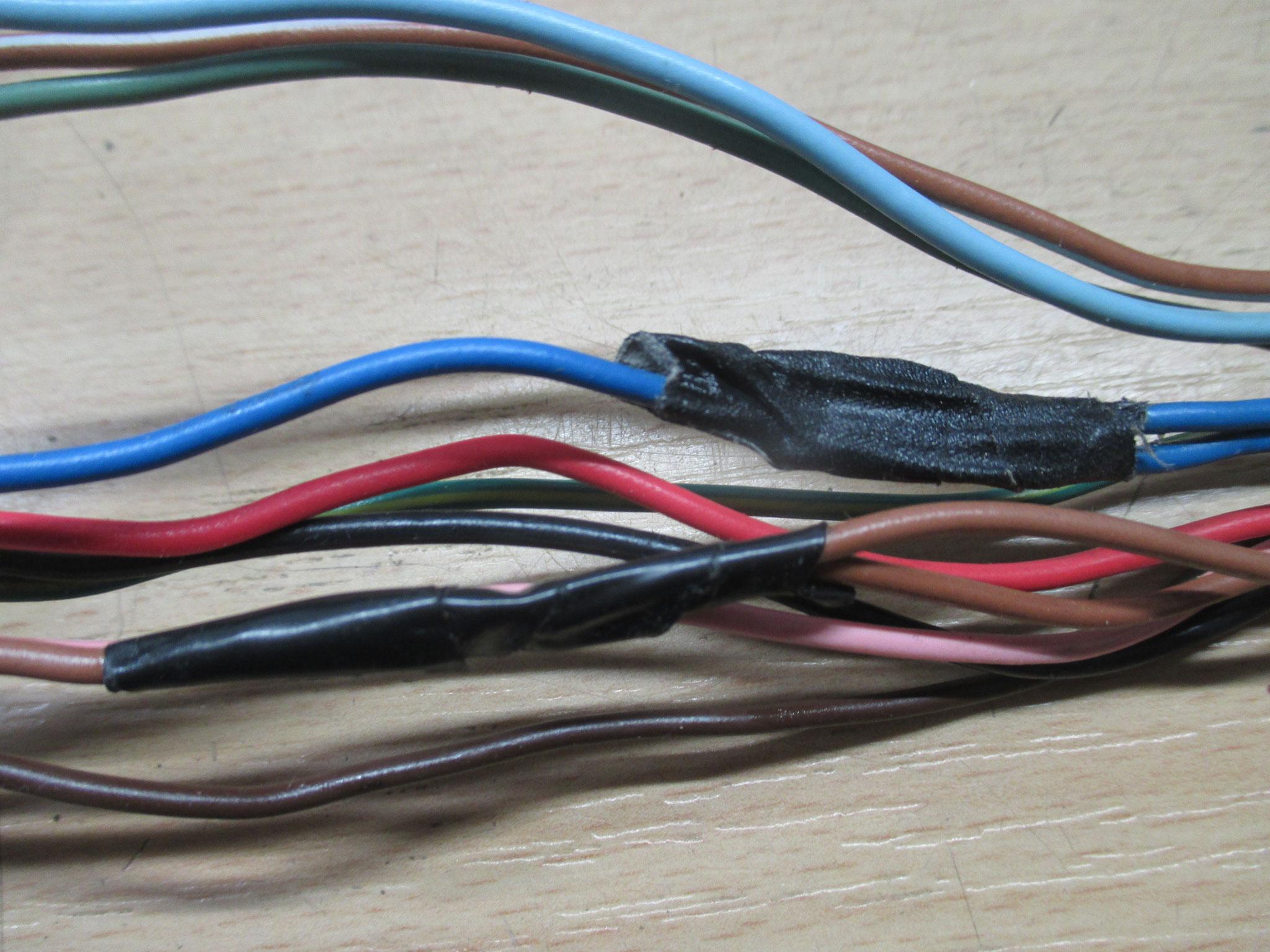 Originales Kabelsplitting - Made in Japan.