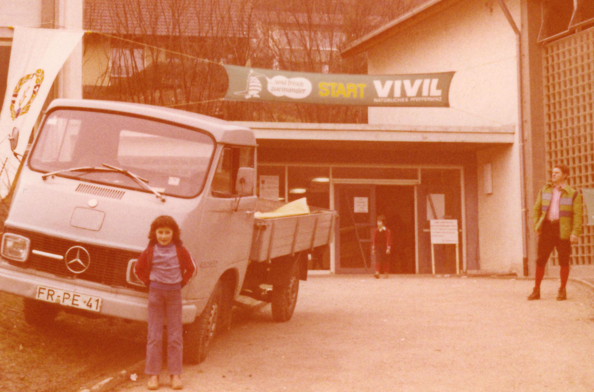 Wandertag im Jahr 1982 in Freiburg-Kappel an der Turnhalle