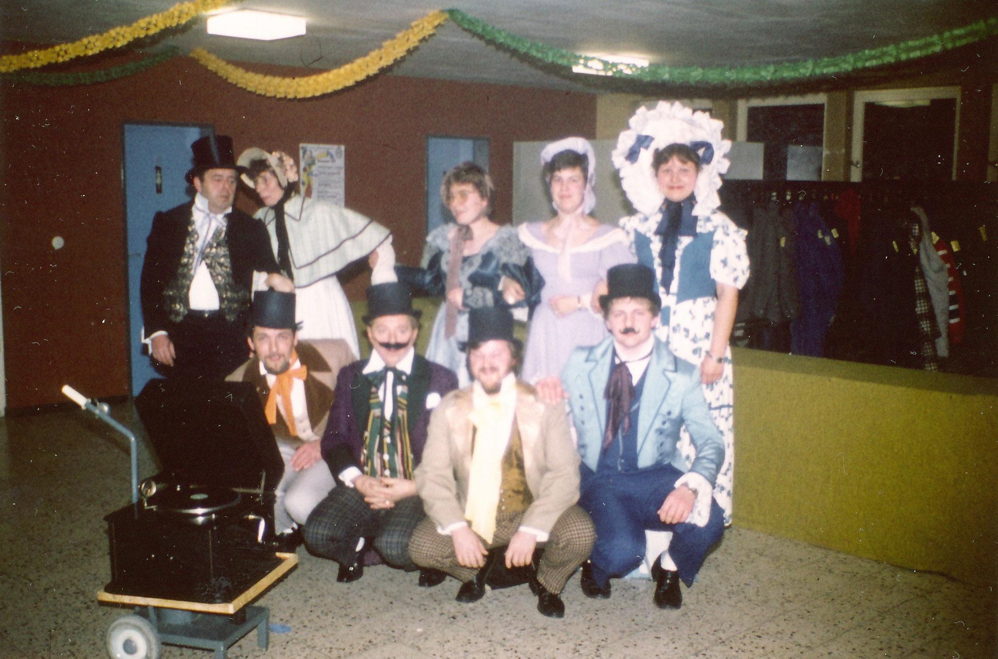 Bilder aus den 1980 Jahren Brauchtumsabend in der Halle an Fasnet