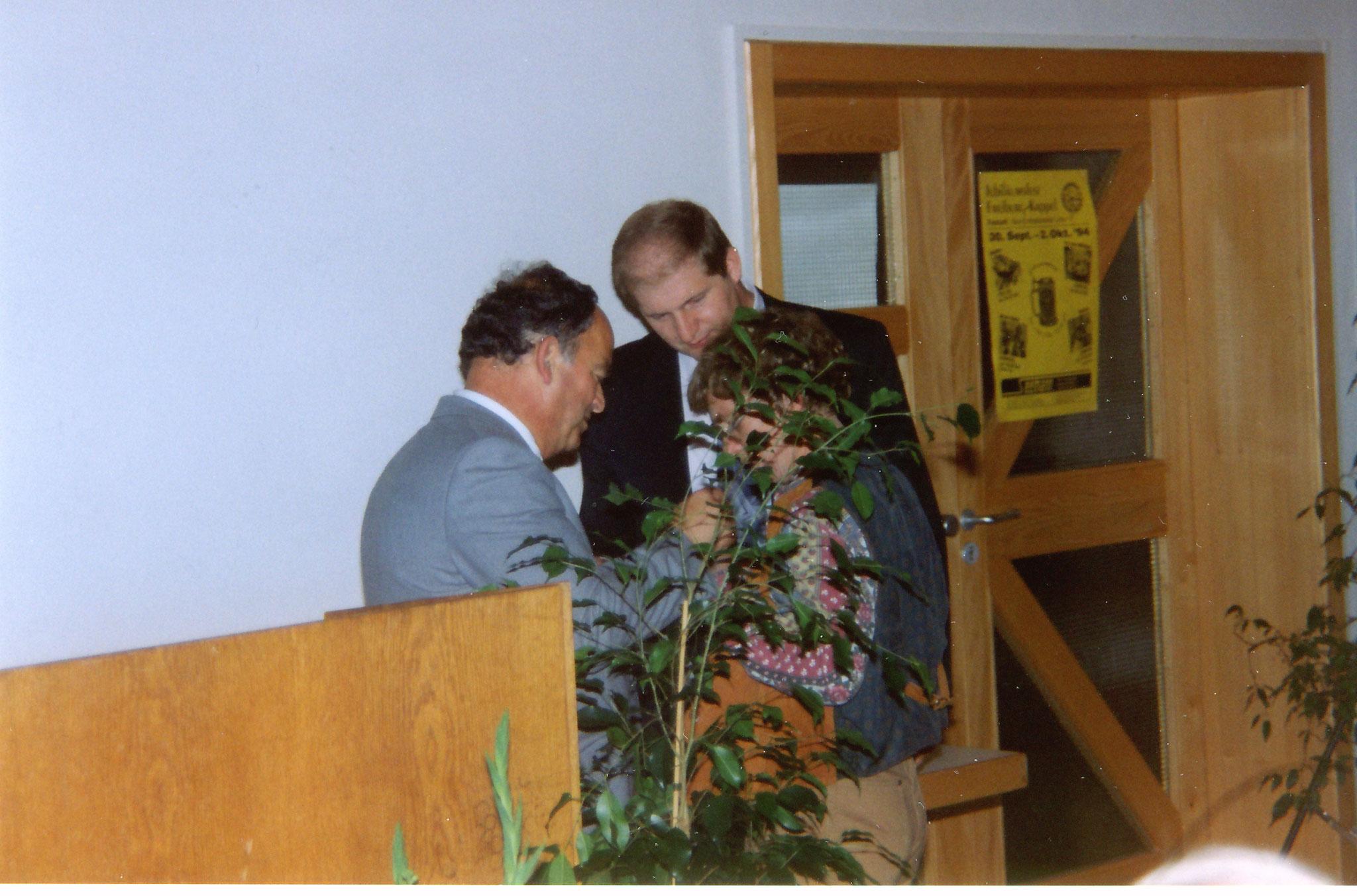 Ehrungen durch Herrn Butz  beim Jubiläumsfest 1999