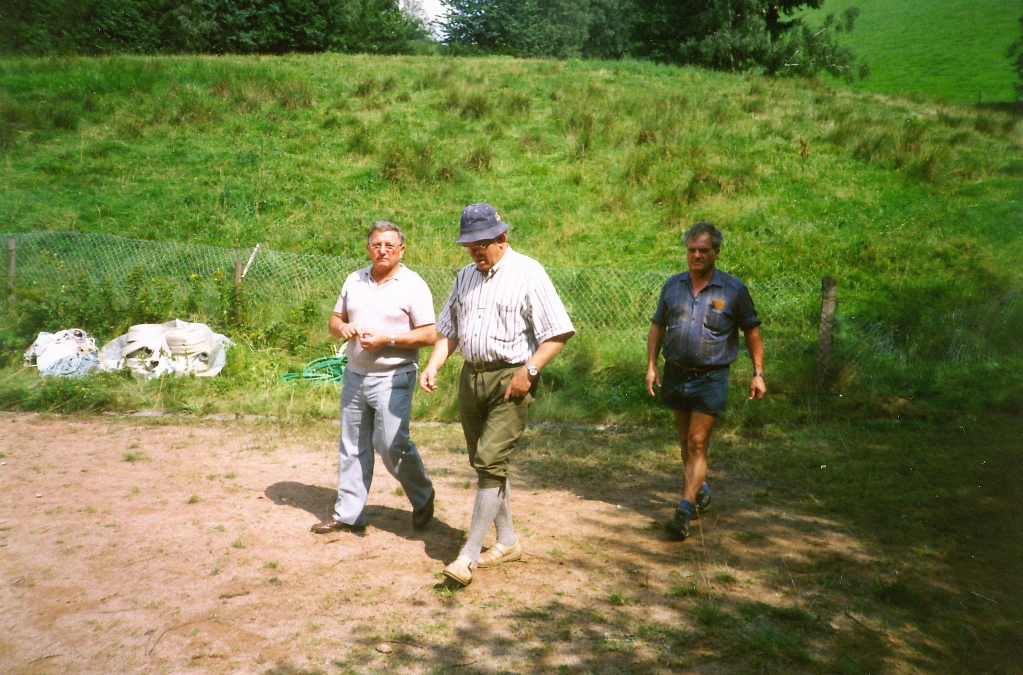 vorbereitungen Bolzplatzfest mit Herrn Schmidt, Herrn Billharz, Herrn Neumann