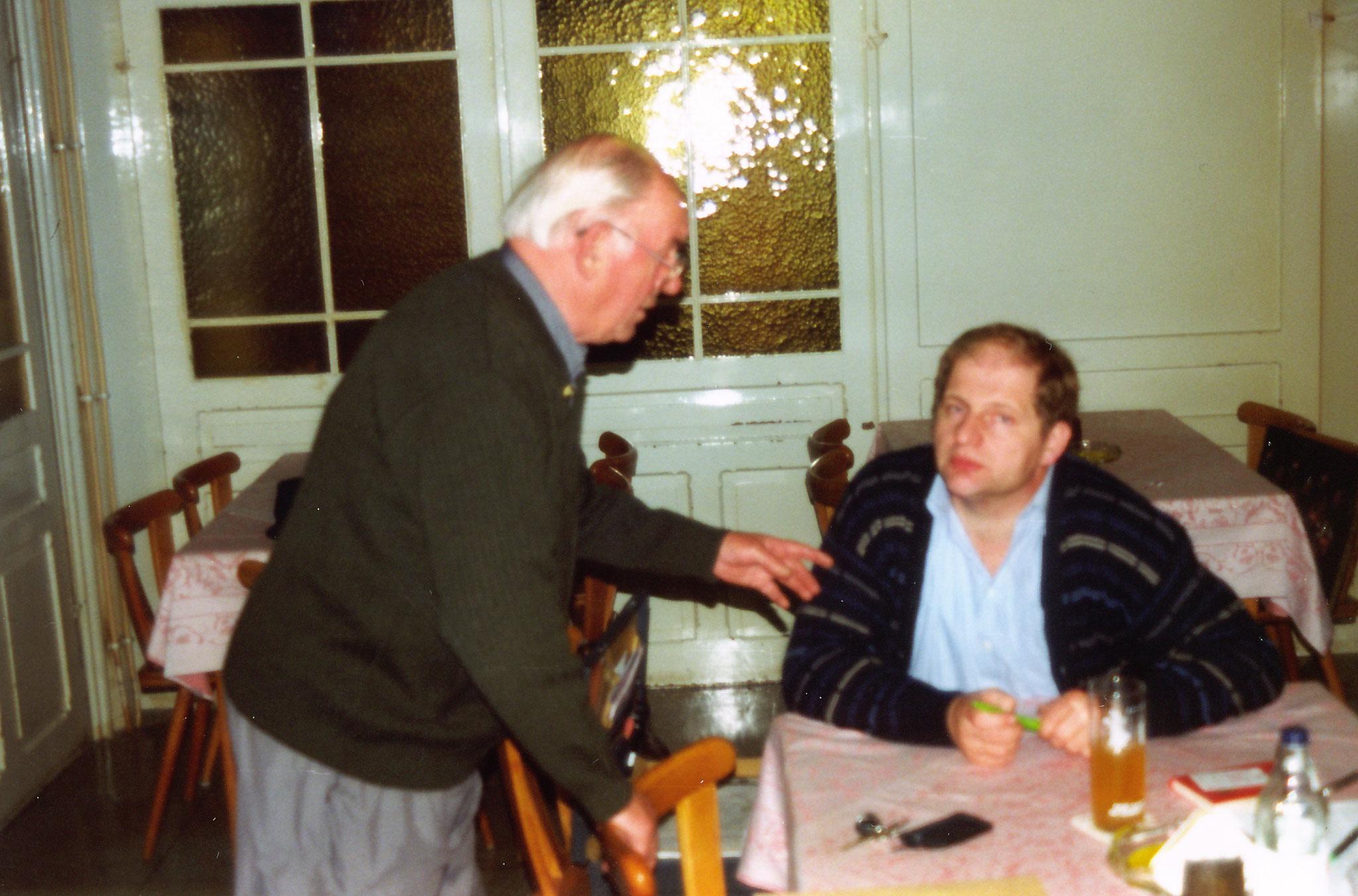 Herrn Schmidt Helmut 2. Vorsitzender und Herrn Barhofer Manfred 1. Vorsitzender im Gespräch
