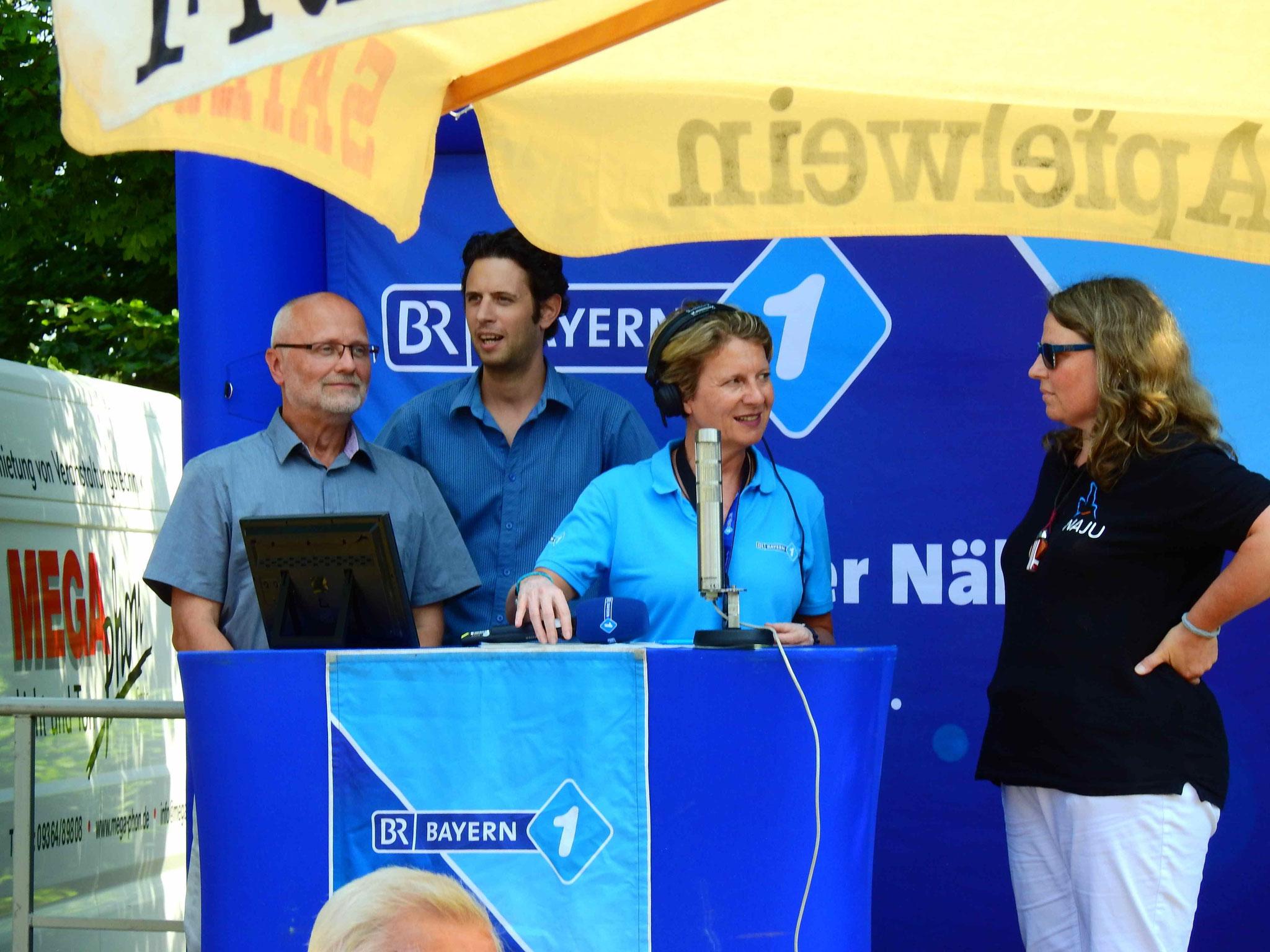 Richard Kalkbrenner, Daniel Feldmann und Meike Kempermann auf der BR-Bühne
