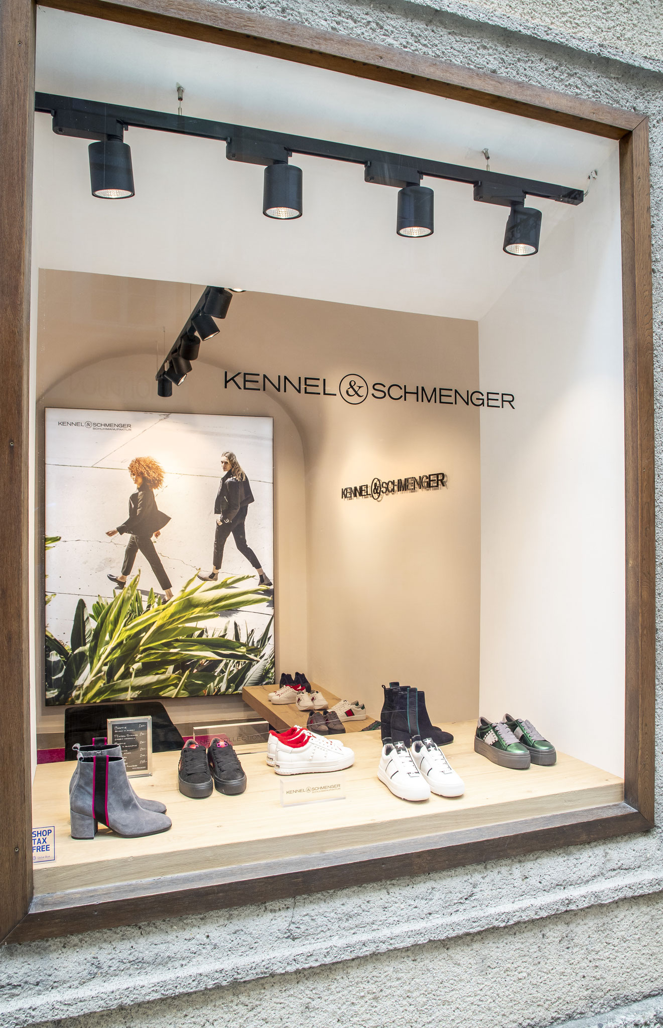 on feet images of clearance prices great look NEU! ERÖFFNUNG IN SALZBURG: ERSTER KENNEL & SCHMENGER MONO ...