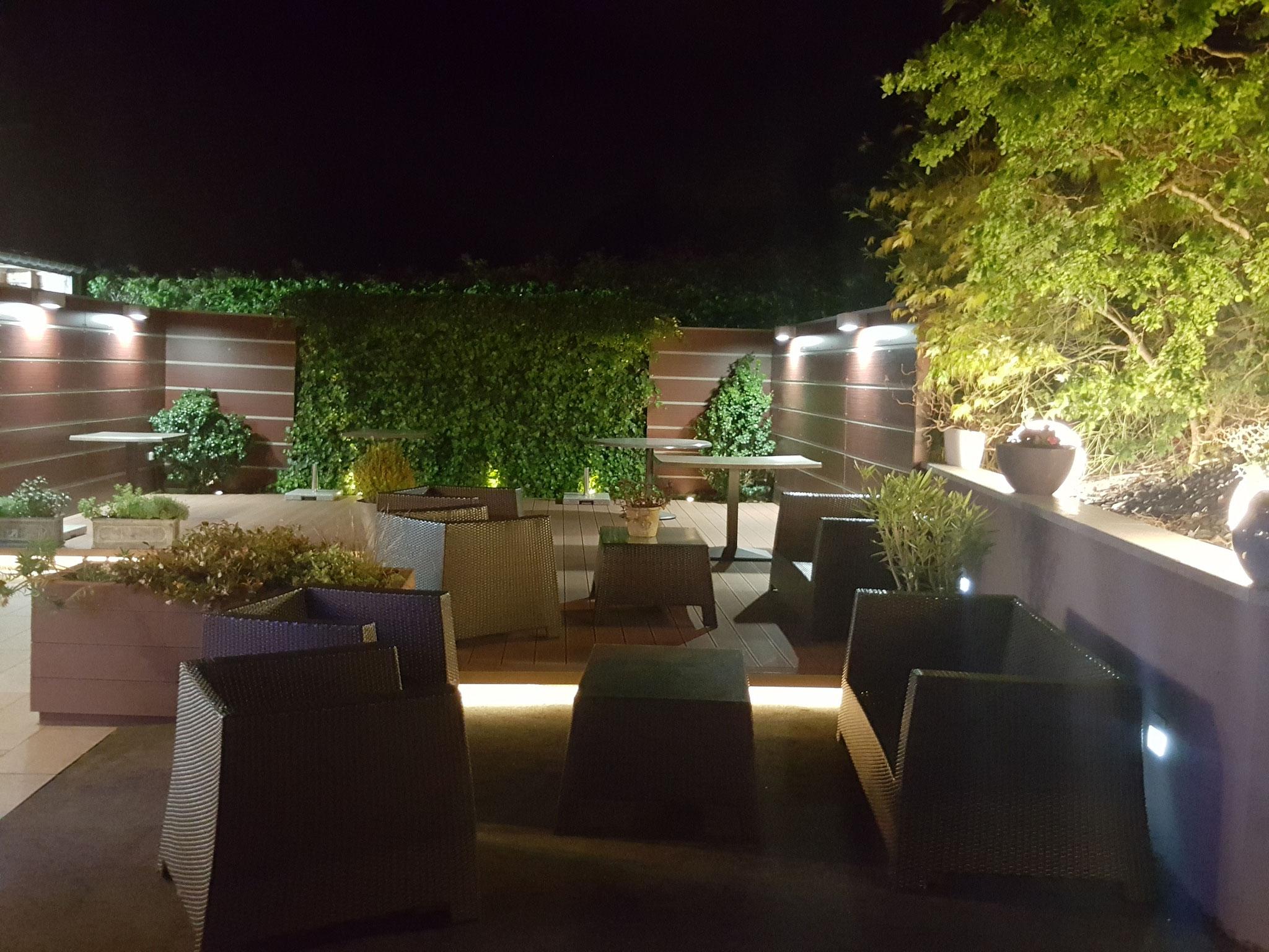 terrasse extérieure de nuit