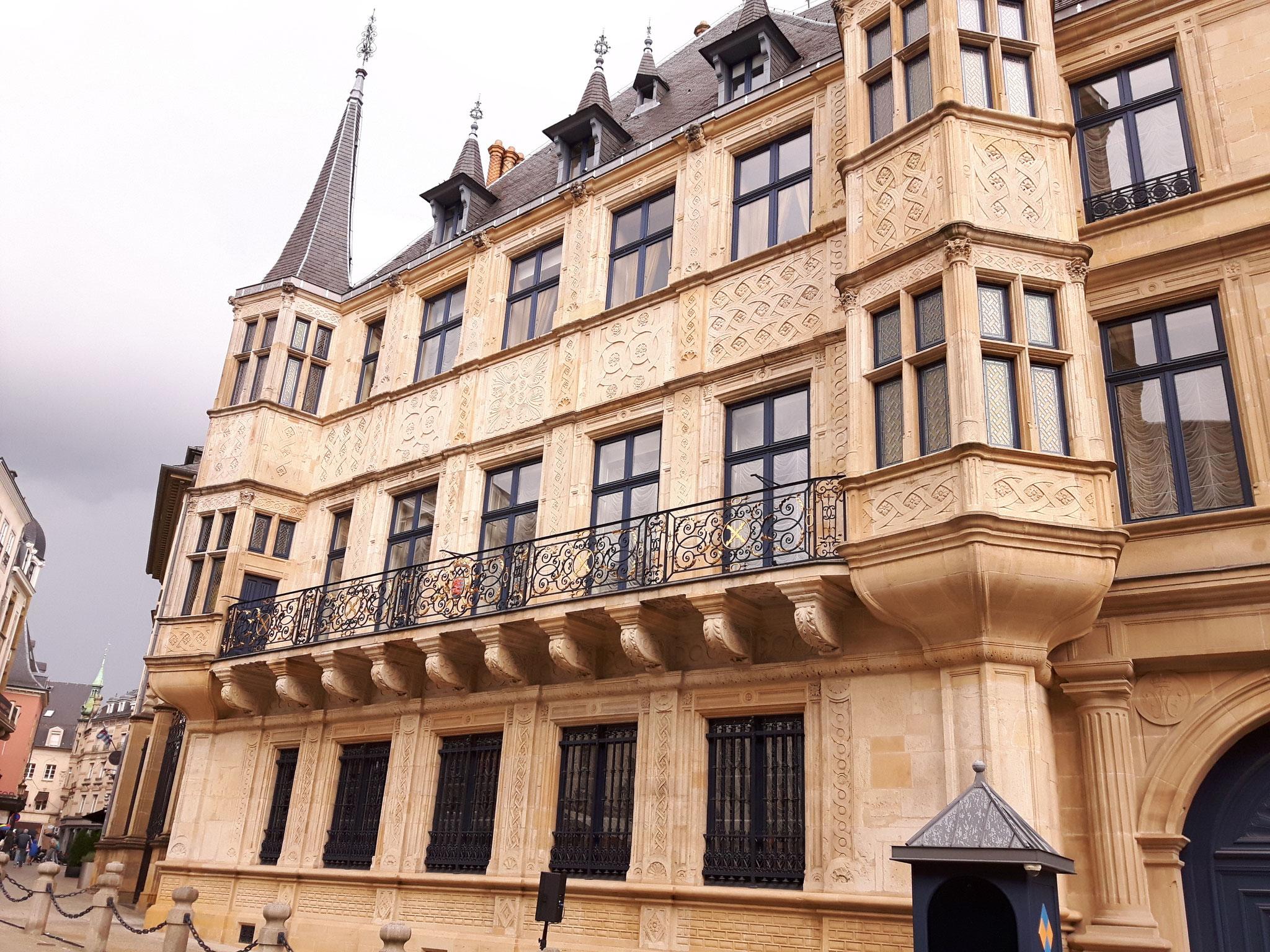 Le Palais aussi