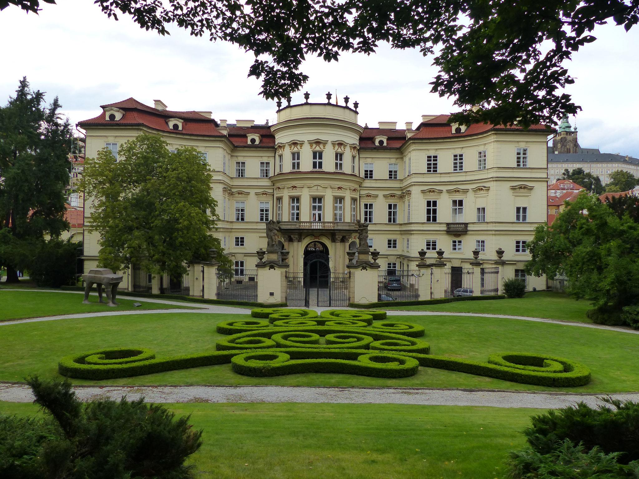 Deutsche Botschaft - Prag   MelanieaufReisen