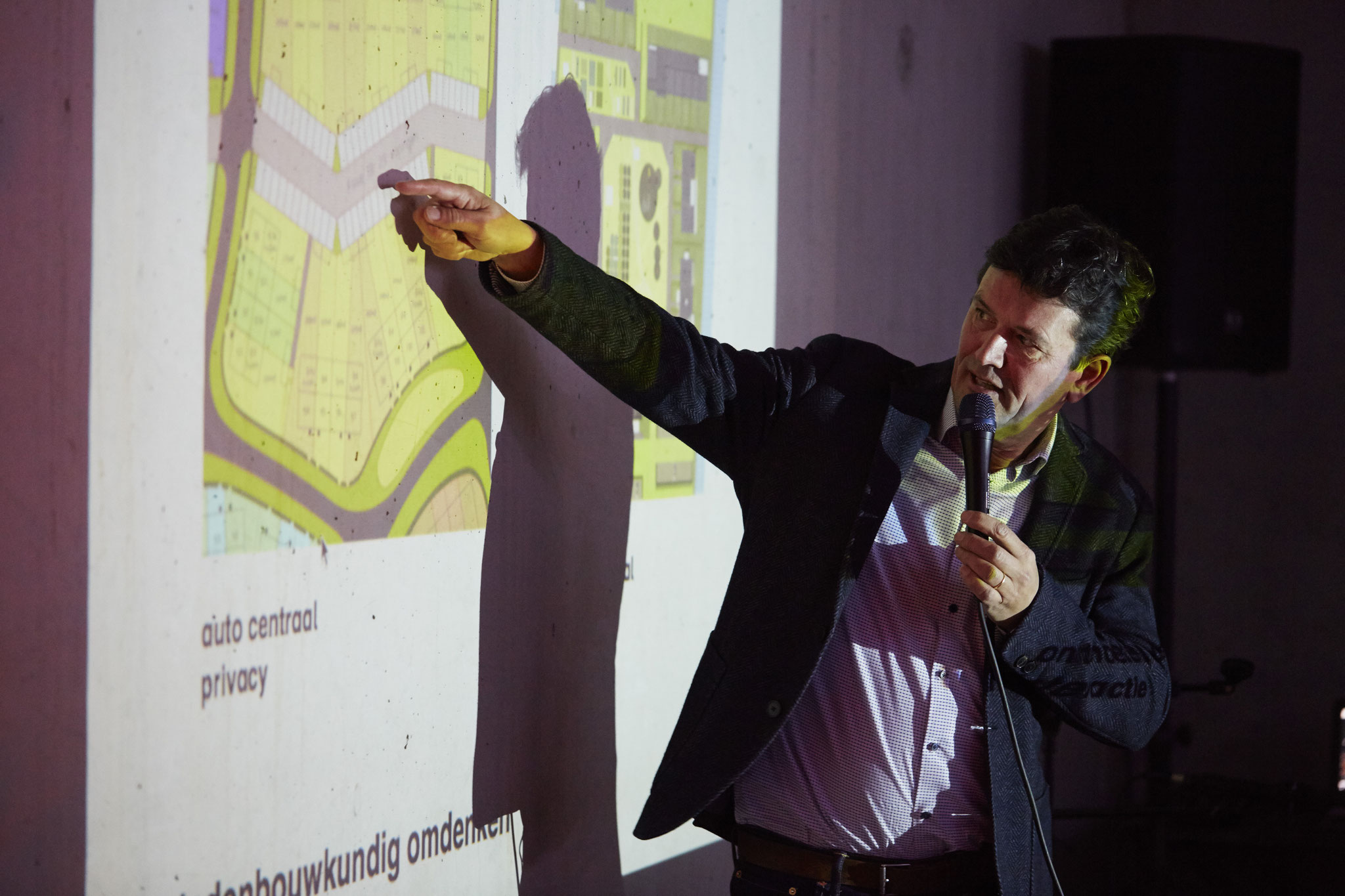 Architect Jeroen Simons vertelt over Geworteld Wonen.
