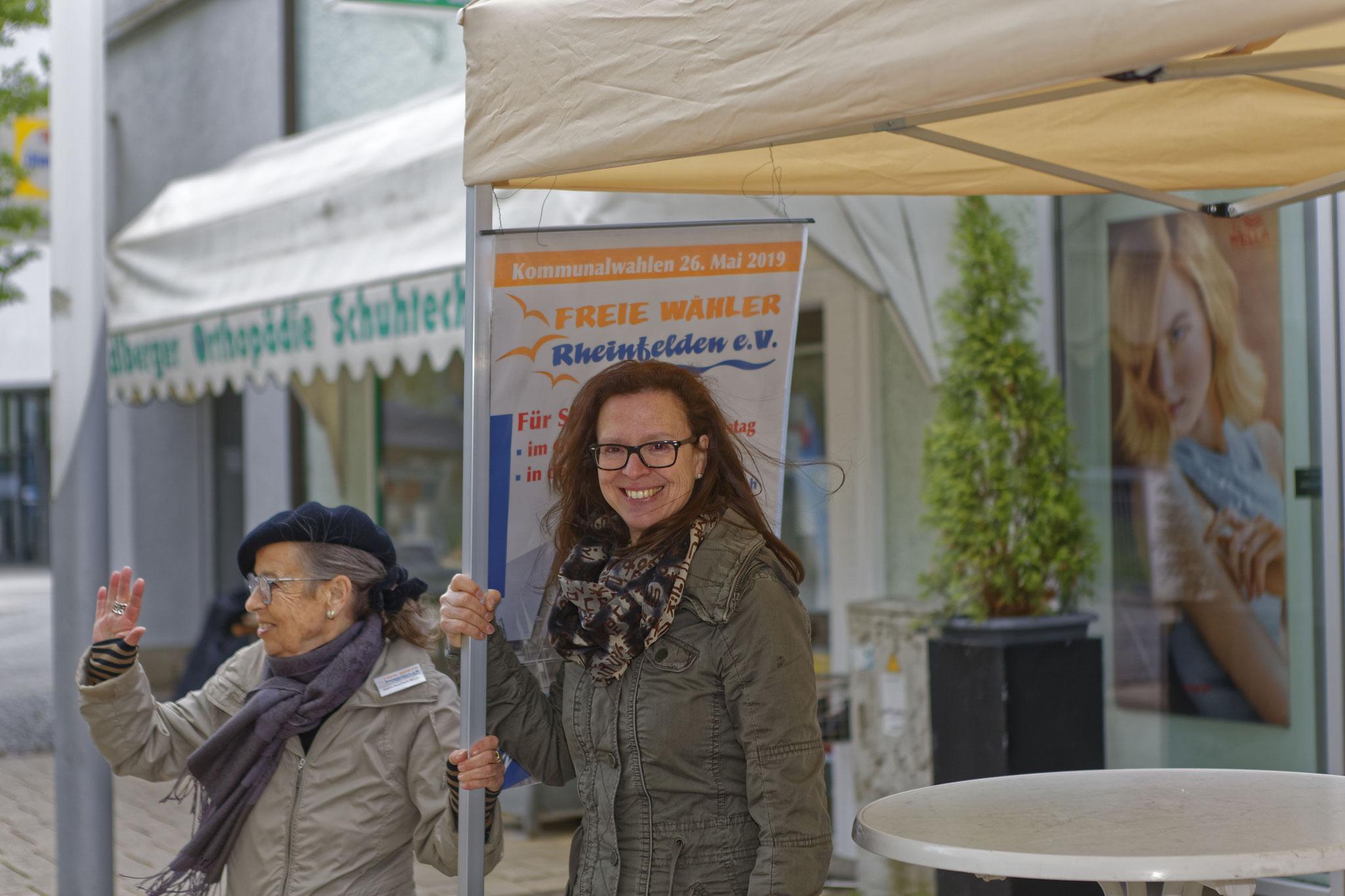 Karin Reichert-Moser und Ellen Haubrichs – alles fest in der Hand …