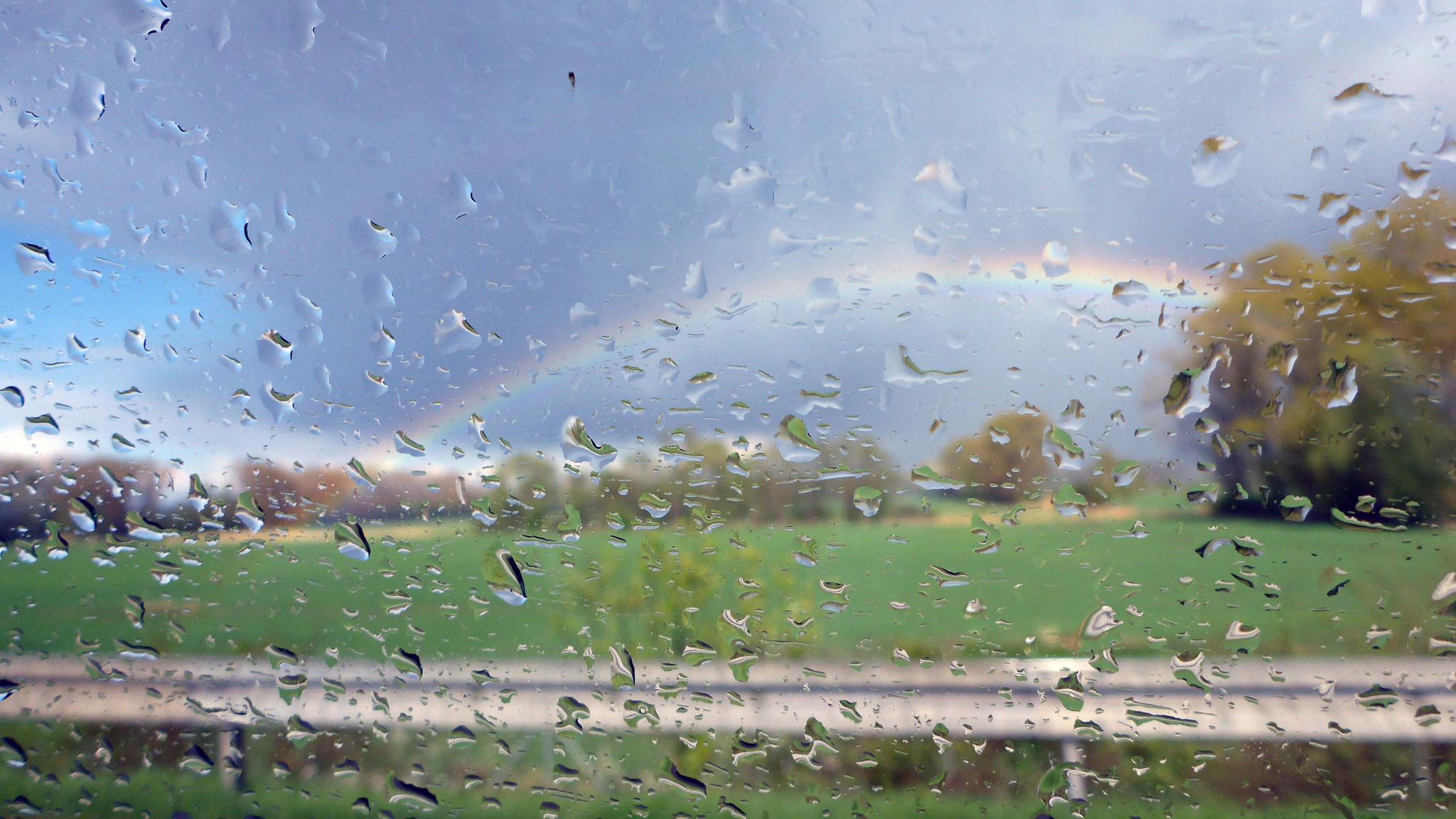 Regenbogen auf der Heimfahrt.