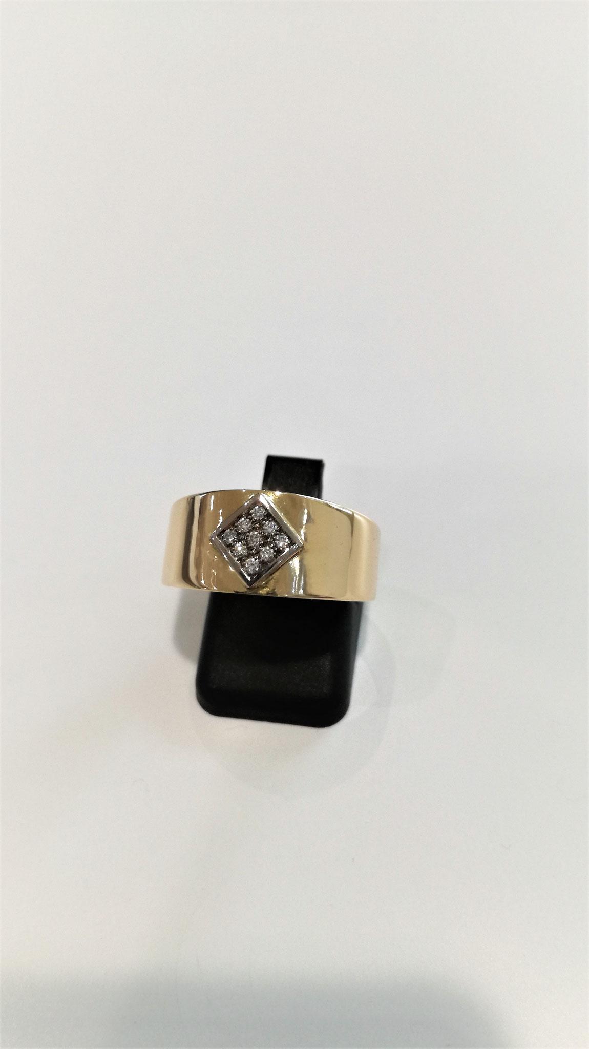 Bague carrée 2 ors (jaune et gris) et diamants