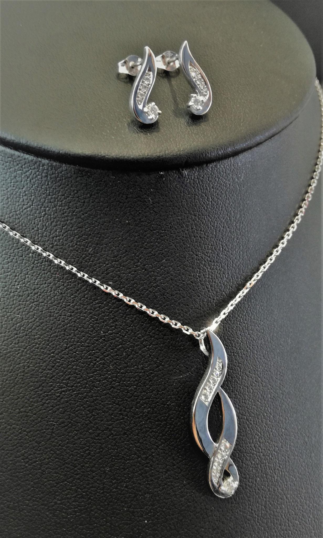 Parure - Boucles d'oreilles et pendentif or blanc et diamants