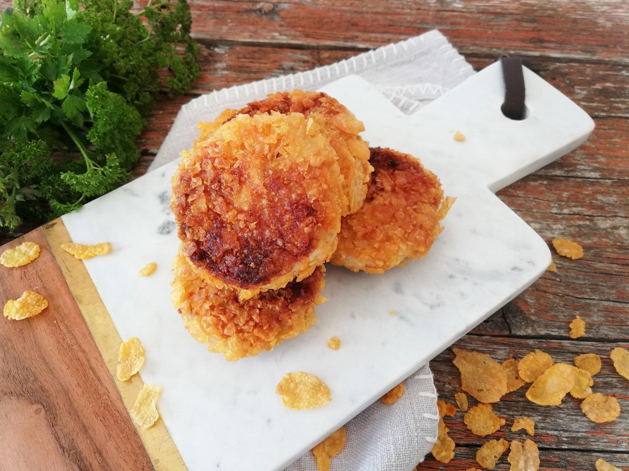 Hähnchen-Frikadellen im Cornflakes-Mantel