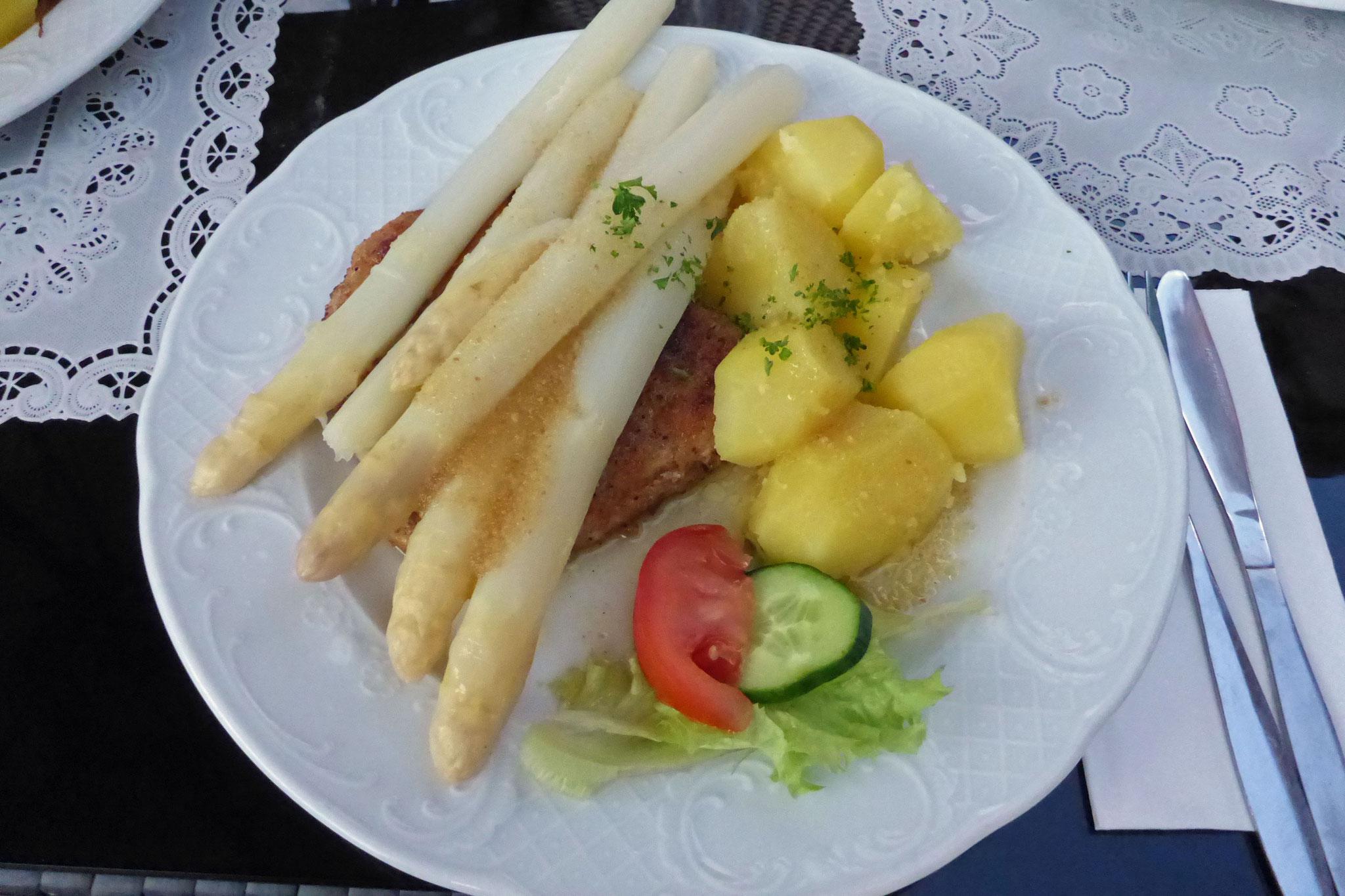 Daher gleich Mittagspause in Hüttensee.