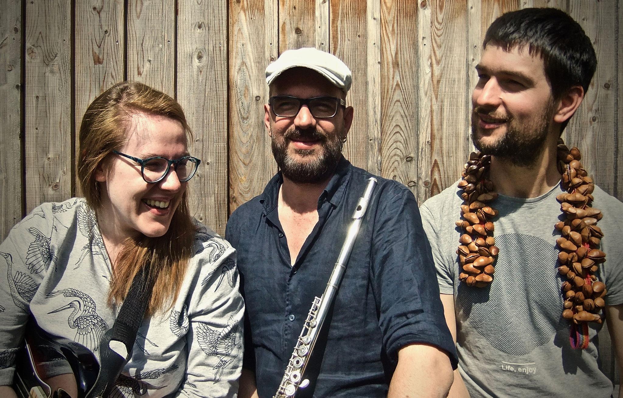 Ascendo - Trio Folk