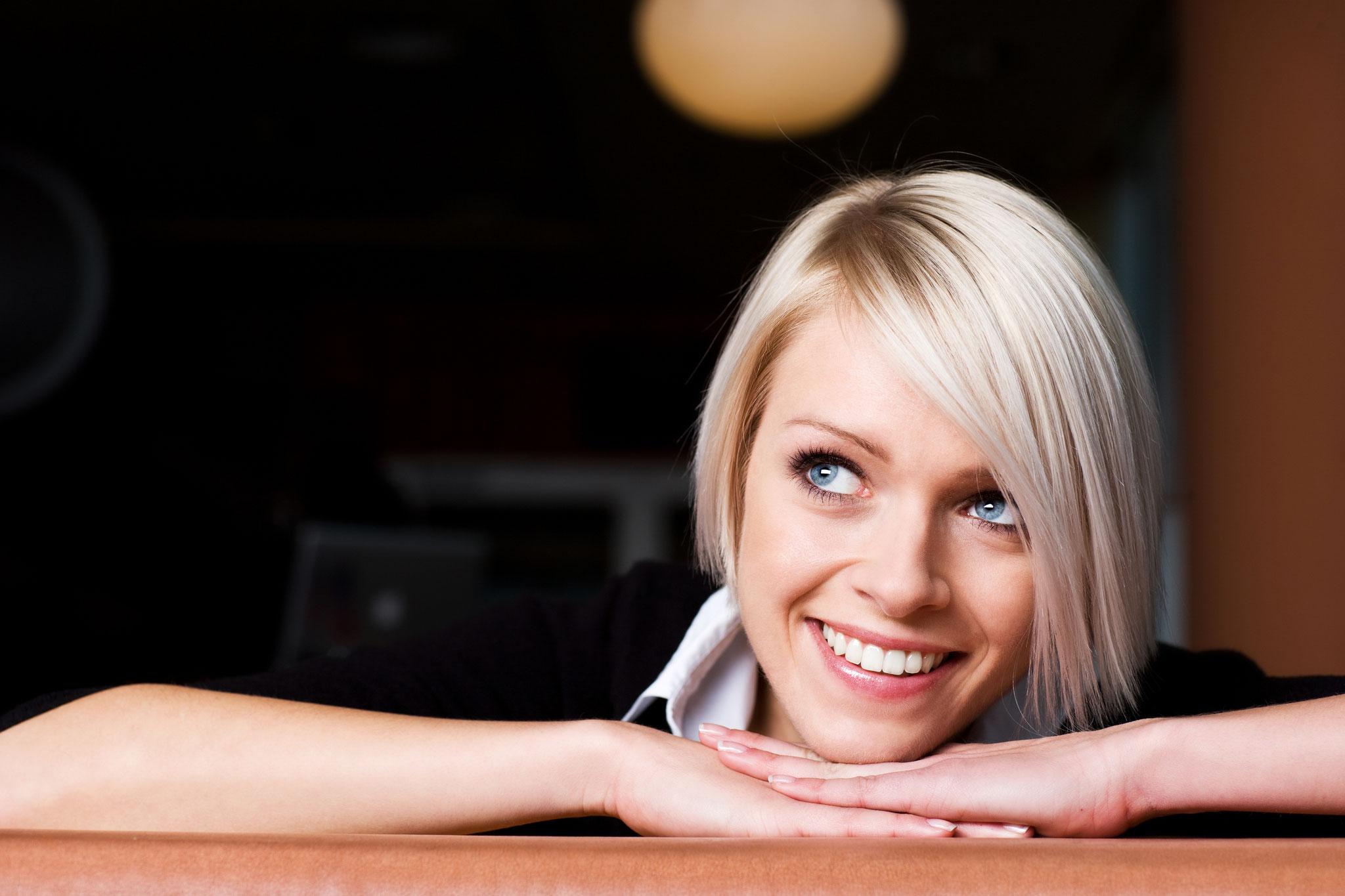 Zahnersatzversicherung? Wir sichern Ihre schönstes Lächeln.
