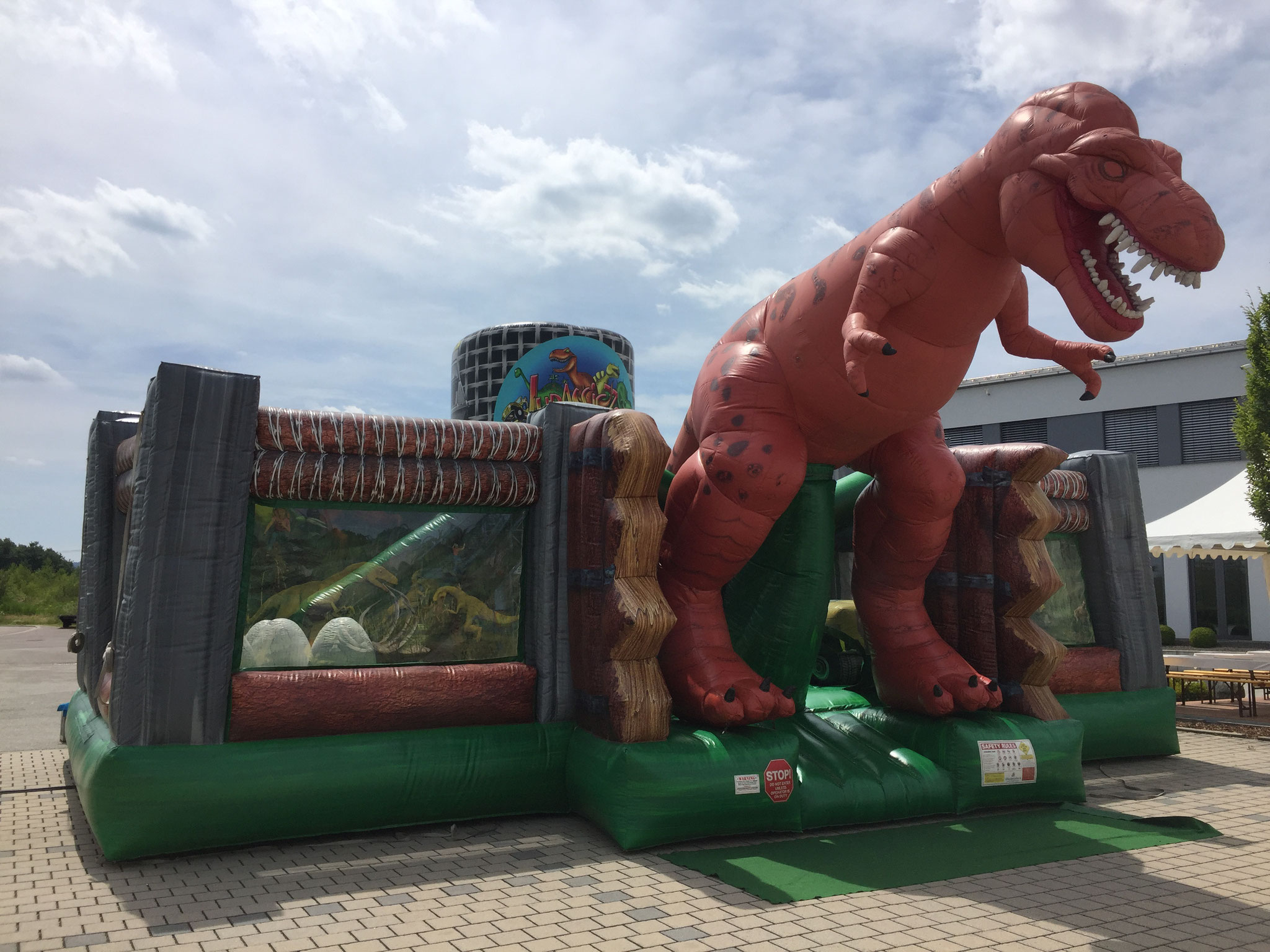 Jurassic Park, Platzbedarf 12x11x6 Meter