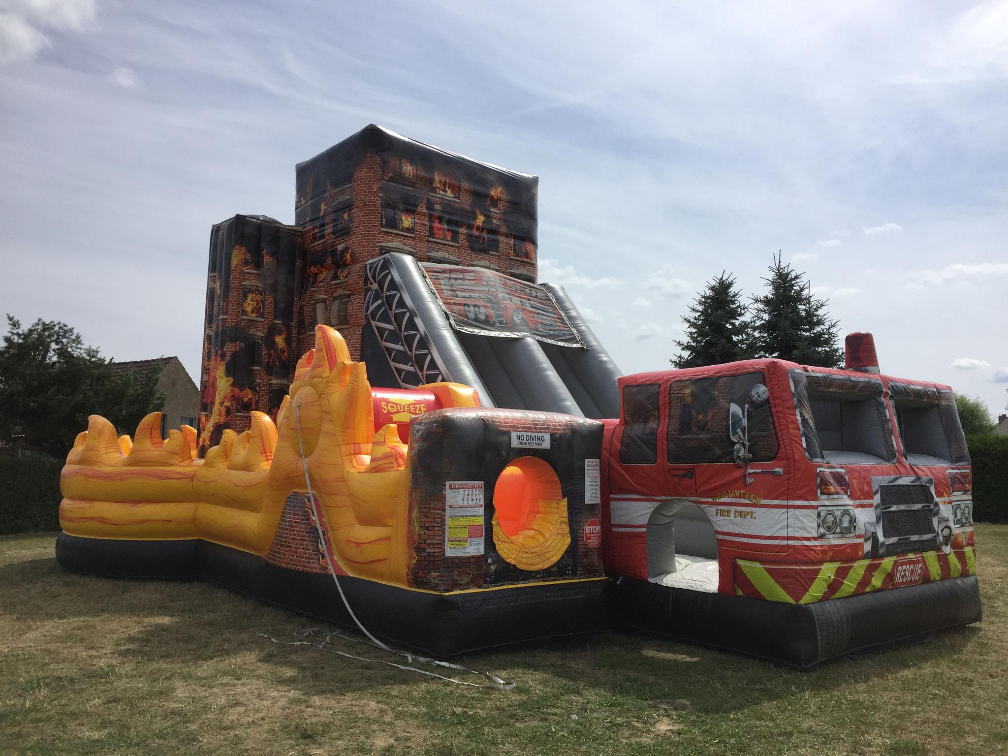 Feuerwehr XXL, Platzbedarf 12x10x6 Meter