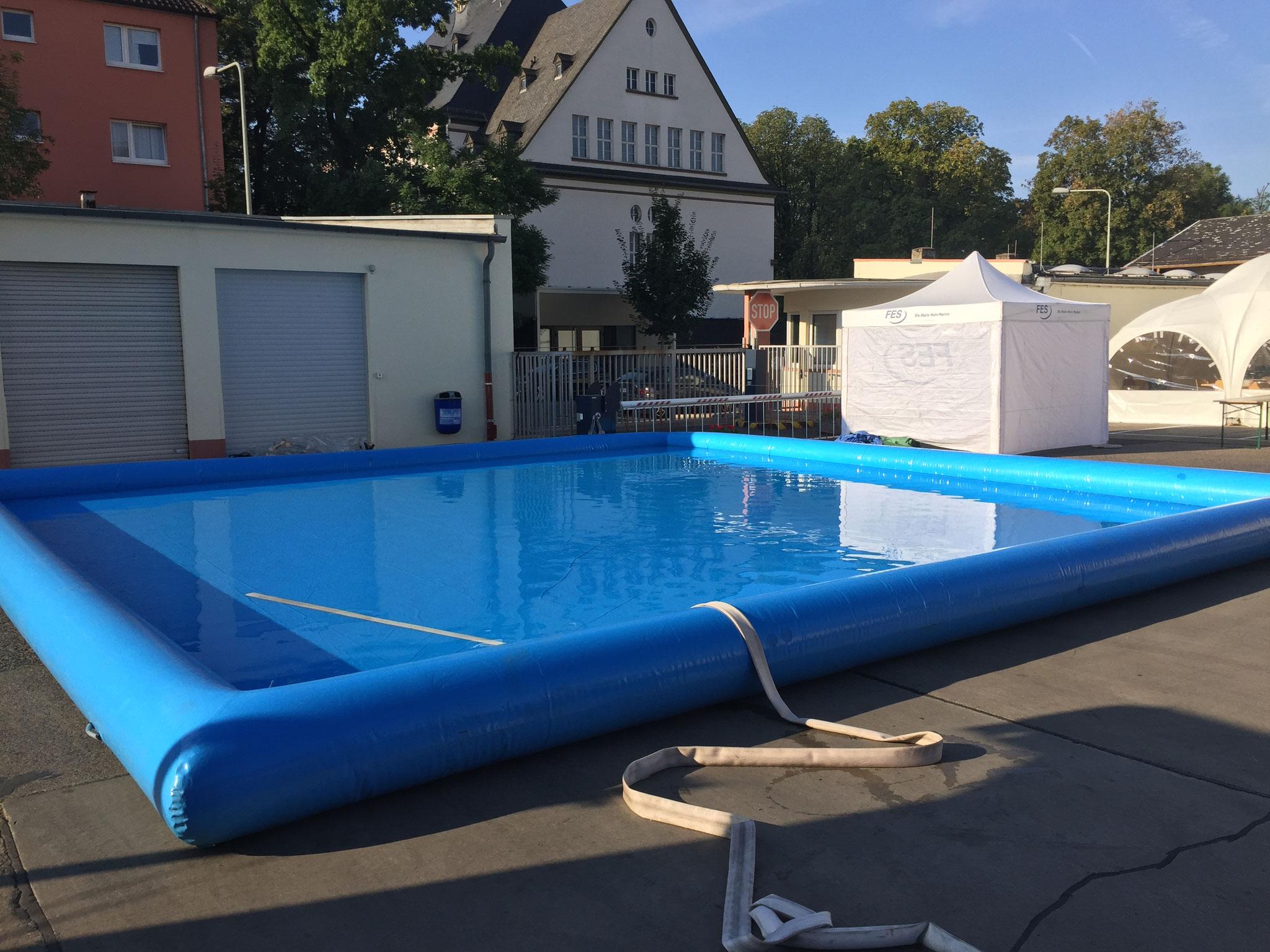 10 Meter Pool, Platzbedarf 10x10x2,5 Meter