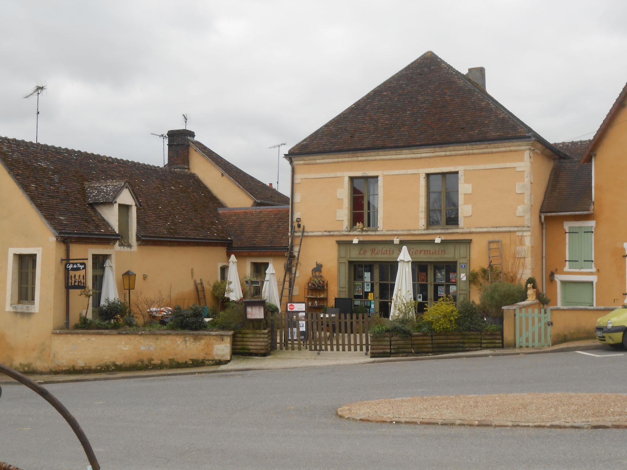 """Restaurant de Préaux du Perche """"Le Relai Saint Germain"""""""