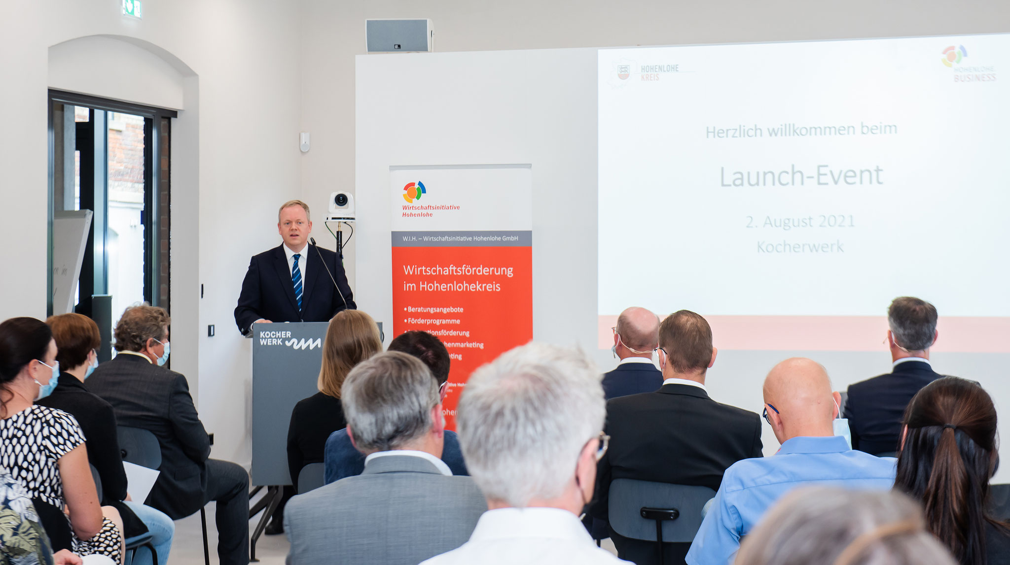 Landrat Dr. Matthias Neth bei der Veröffentlichung von Hohenlohe.Business