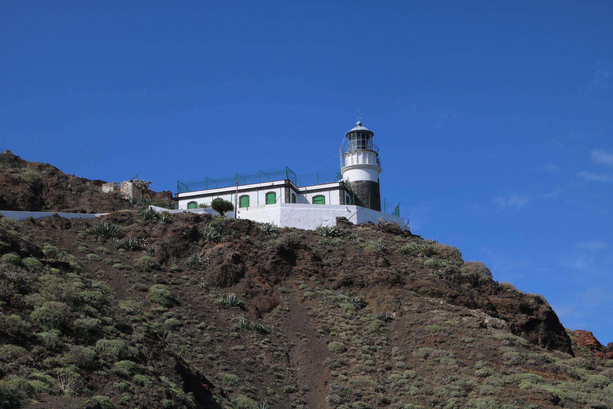 Wanderung von Camorga zur Küste und über einen Leuchtturm wieder zurück