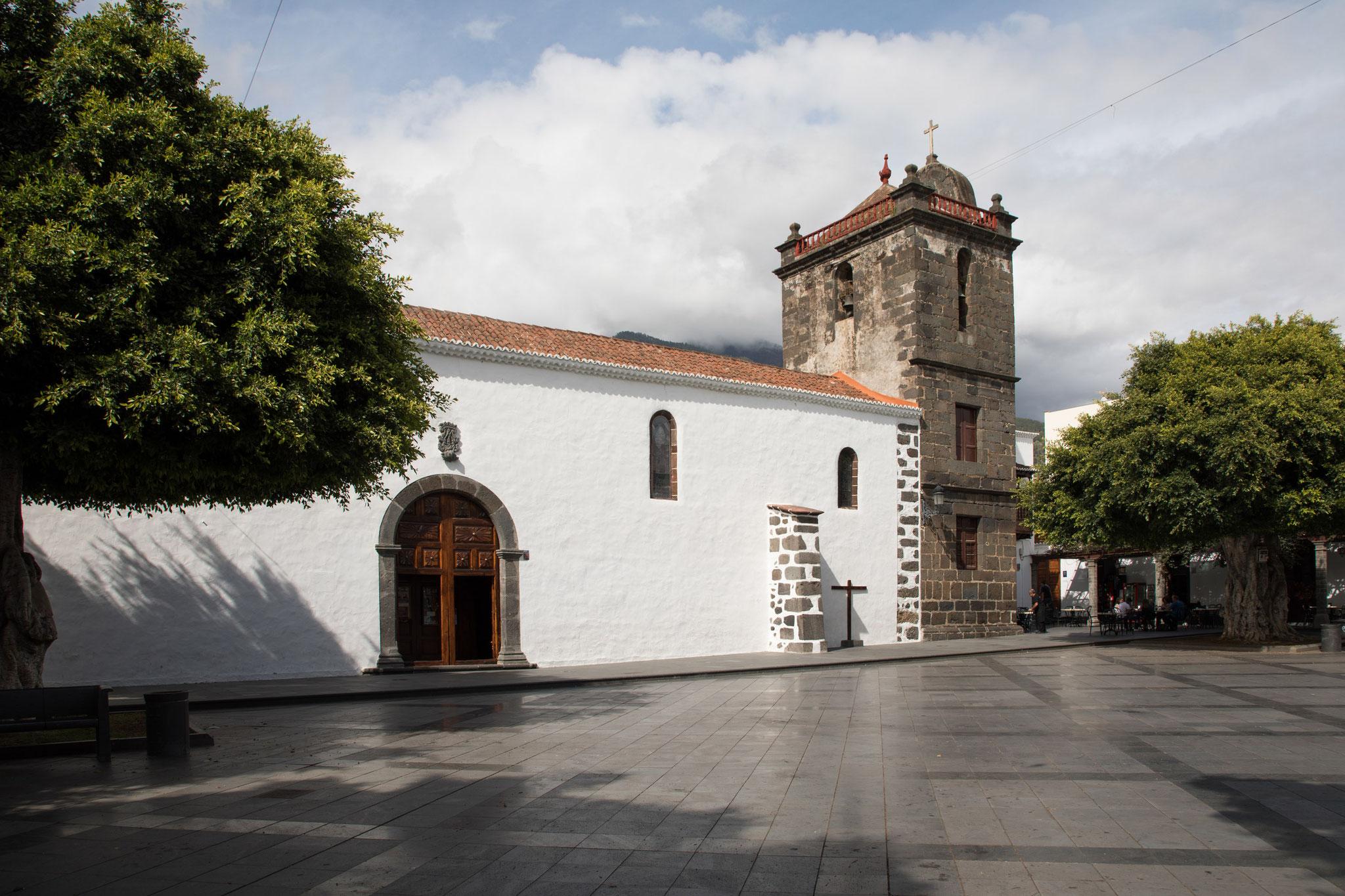 Los Llanos de Aridane - Iglesia Nuestra Senora de los Remedios auf der Plaza de Espana