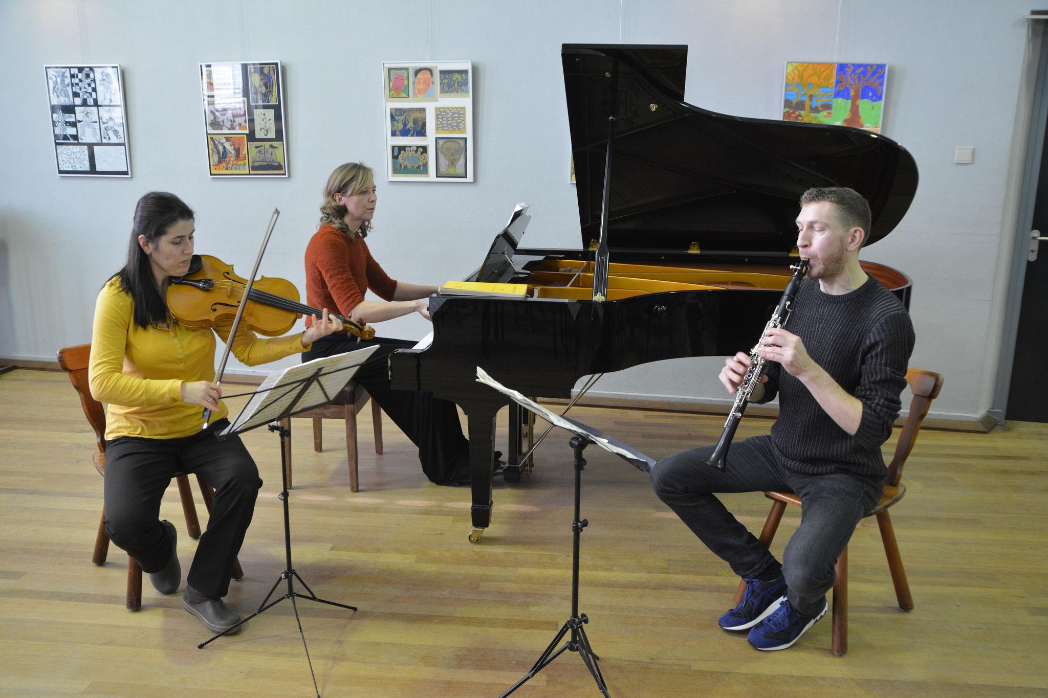 Trio: Lars Wouters, Esra Pehlivanli en Anastasia Safonova