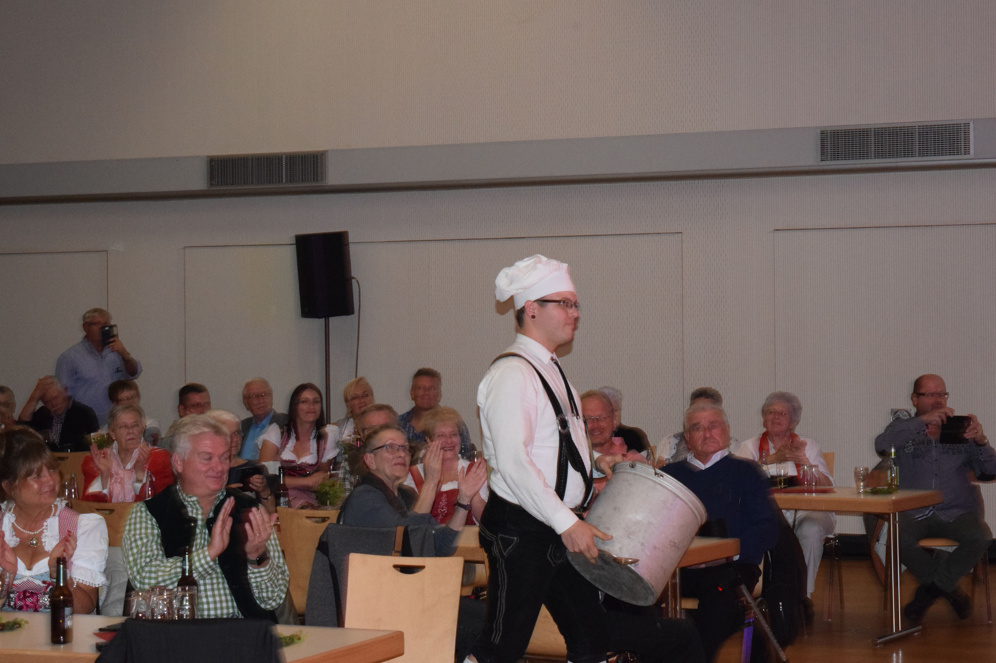 Christian Ersfeld unser Schlagzeuger - Er wird doch wohl nicht kochen wollen ?