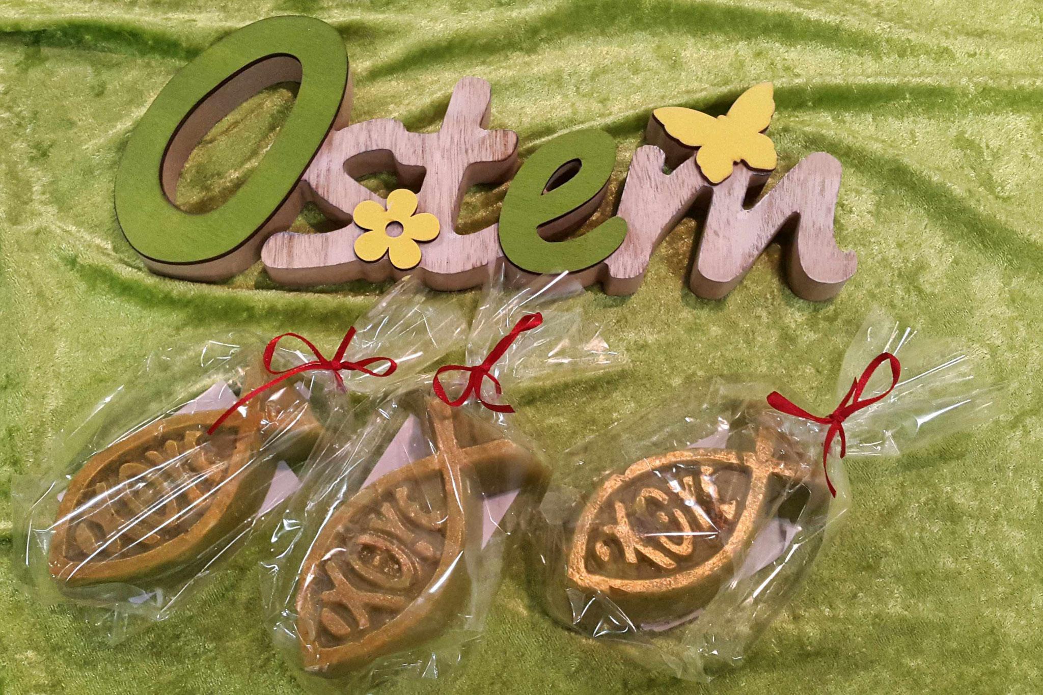 Ostermarkt: christliches Symbol zur Konfirmation