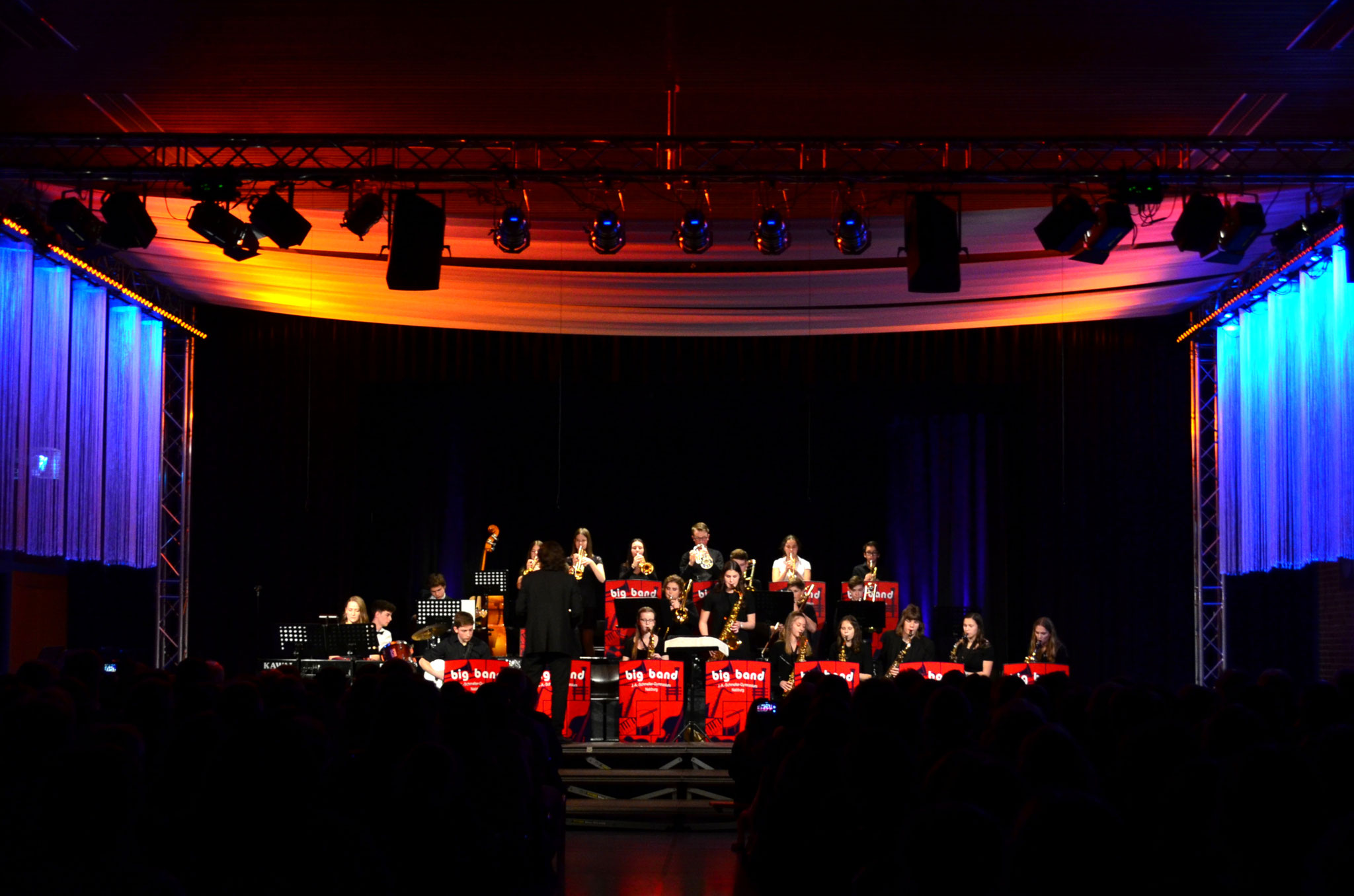 Big Band mit Solistin Miriam Schindler