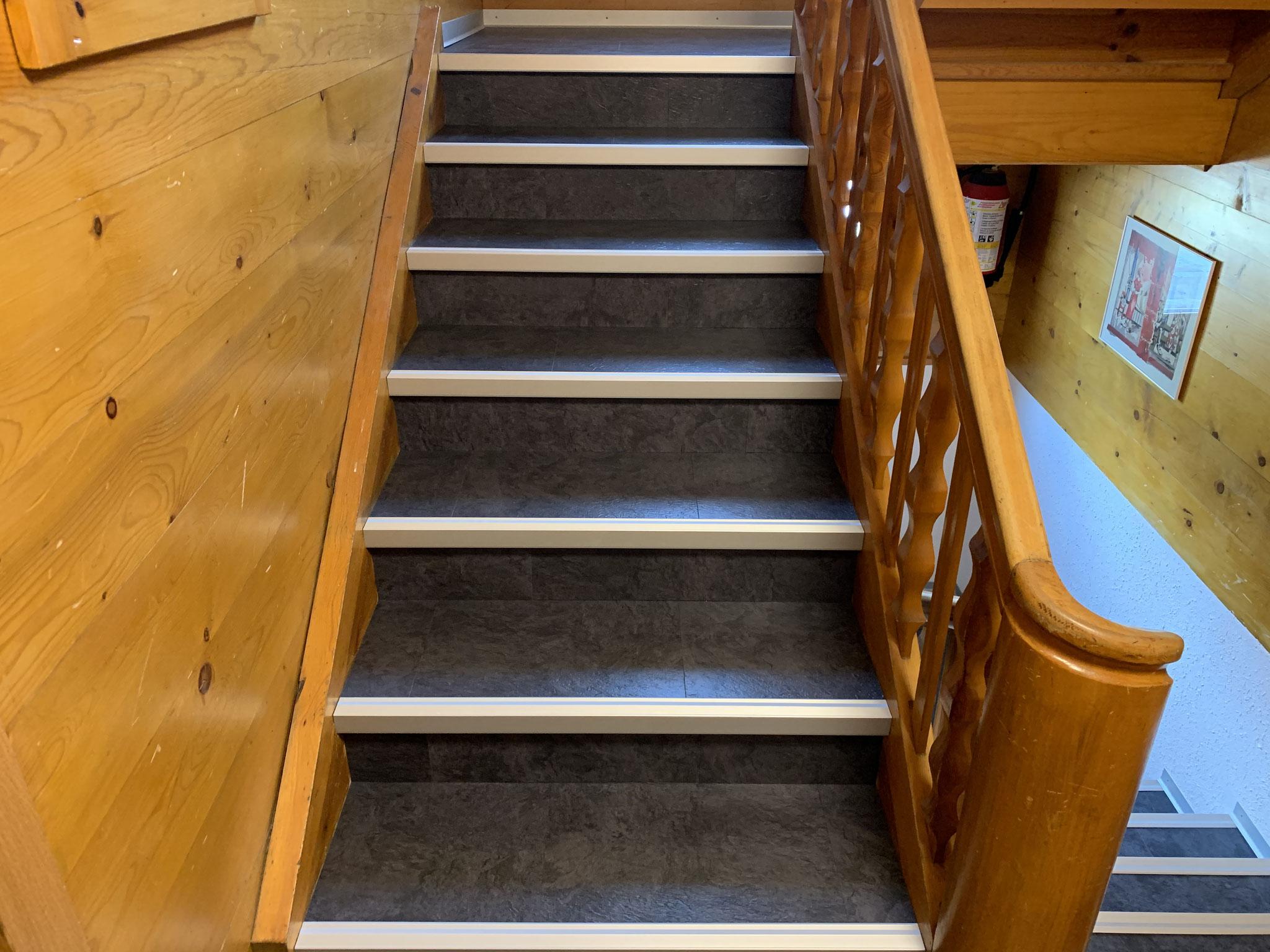 ... Treppe mit Designbelag