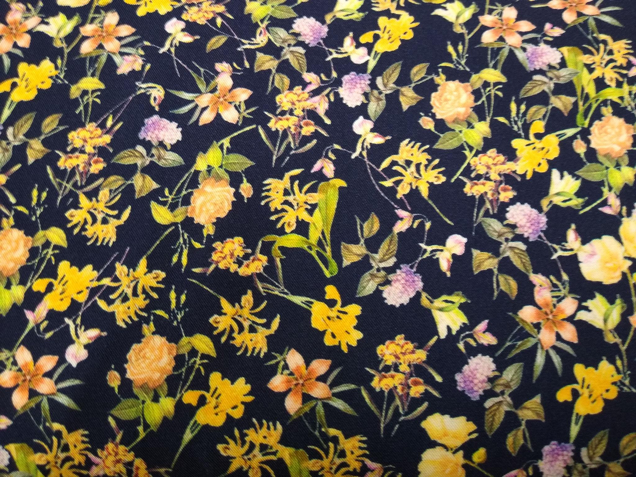 Viskose Webware Blumen, 140cm breit, 0.5m 6.50€