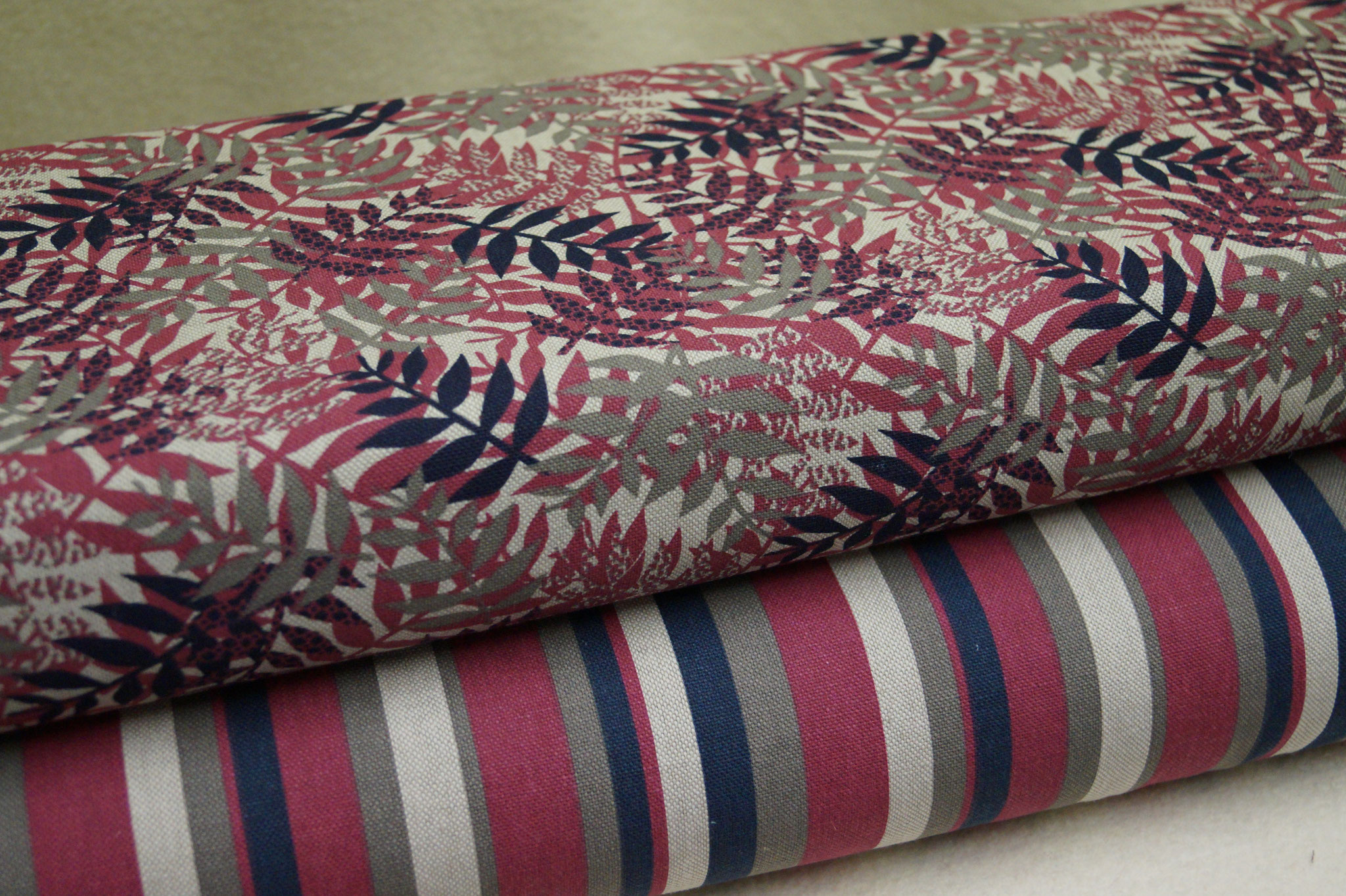Canvas Streifen, 80% Baumwolle, 140cm breit, 0.5m 7.00€; Canvas Blätter, 80% Baumwolle, 140cm breit, 0.5m 8.25€