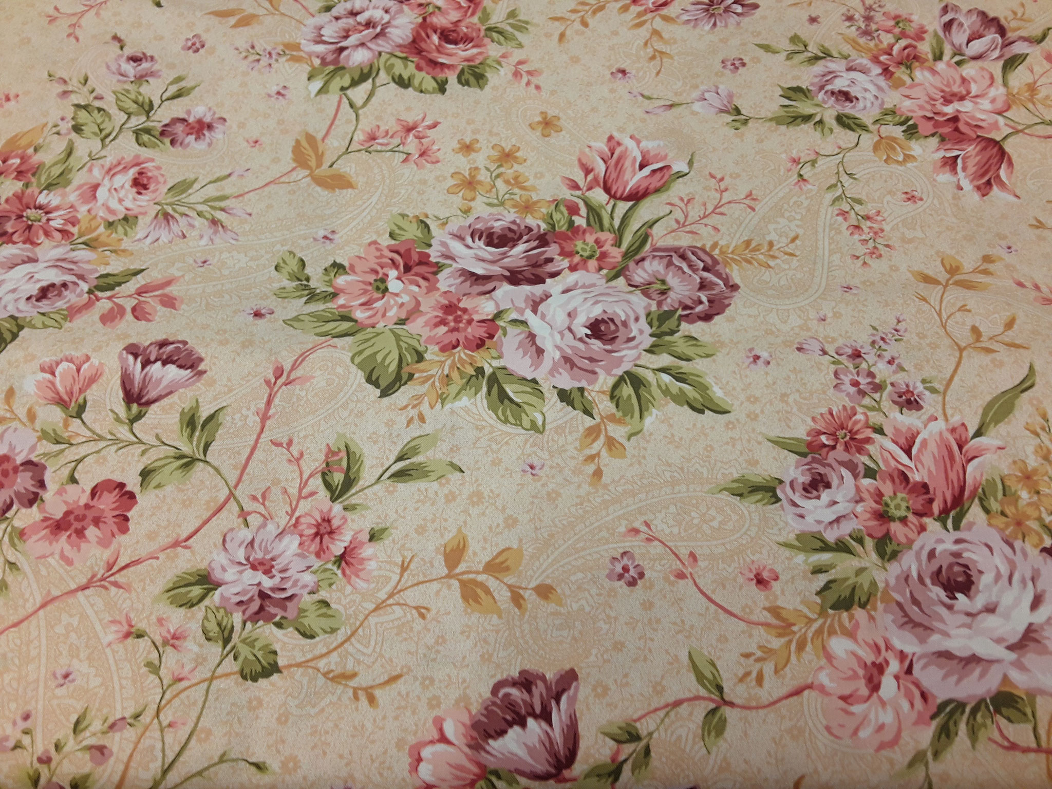 Baumwolle Blüten/ Blumen, vanillegelb, 110cm breit, 9.50€